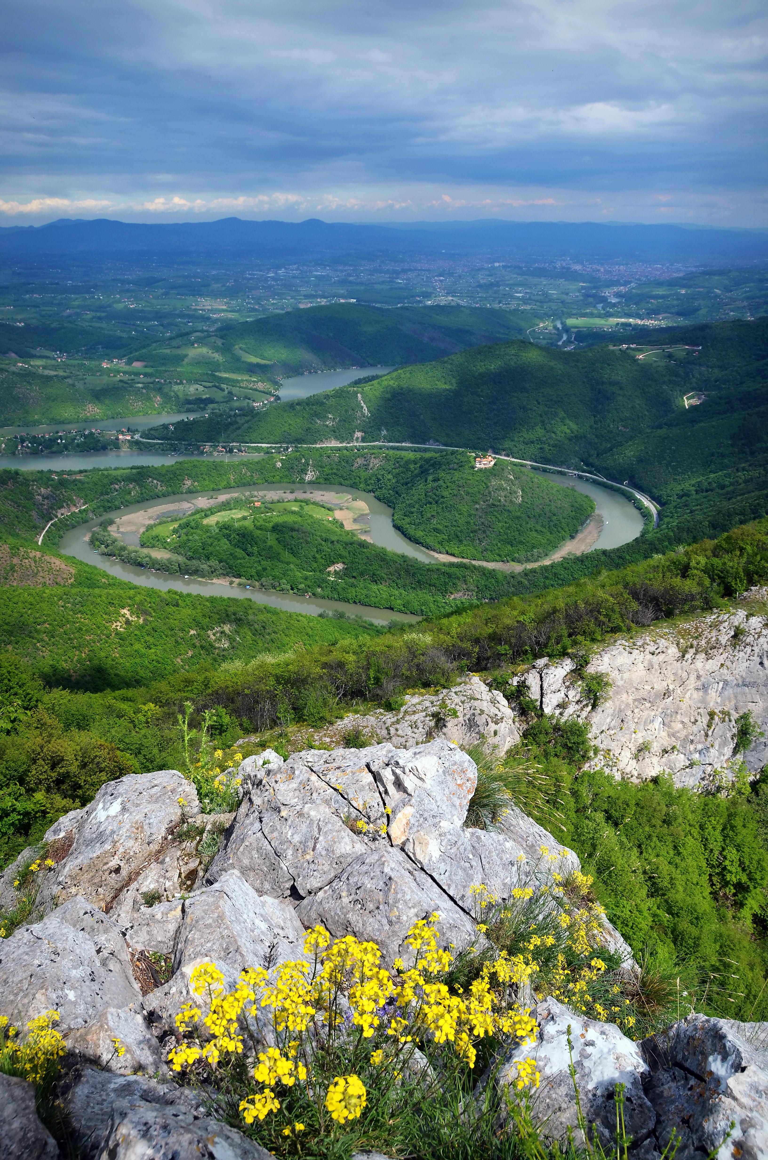 Kanjoni i klisure Ov%C4%8Darsko-kablarska_klisura,_meandri_Zapadne_Morave
