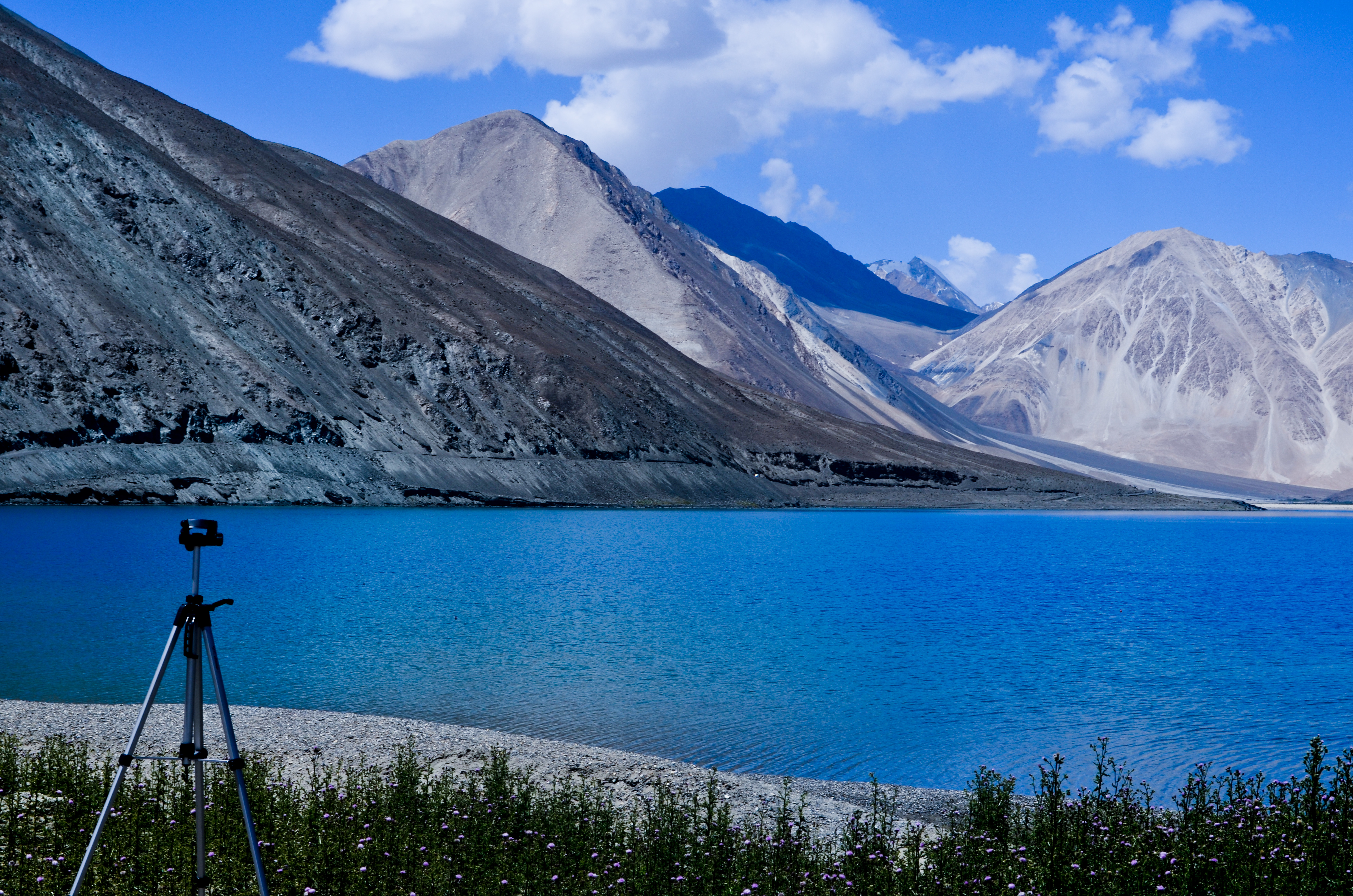 File:Pangong Tso Lake, Ladakh.jpg - Wikimedia Commons