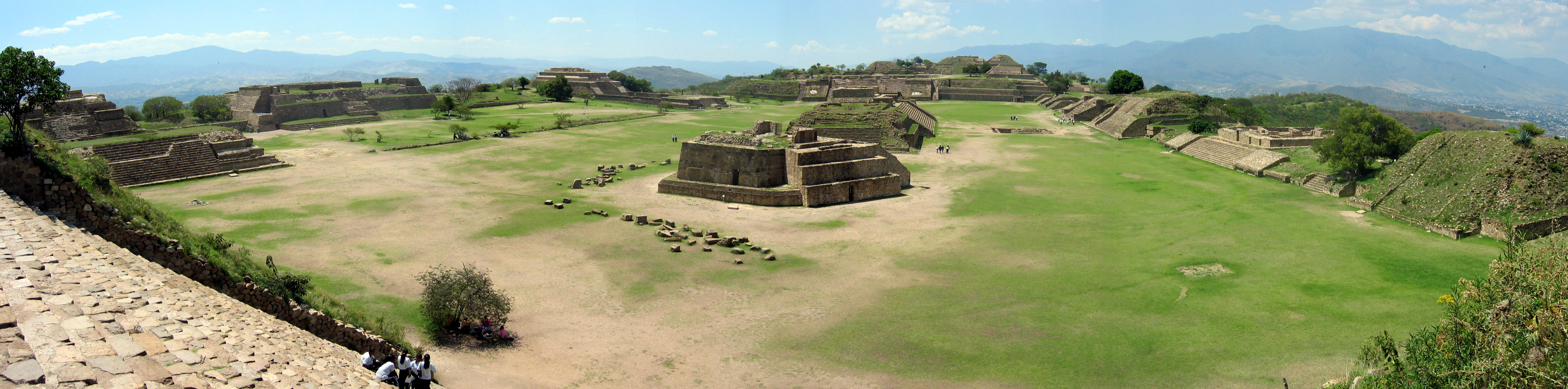 Panorama_of_Monte_Alban_from_the_South_P