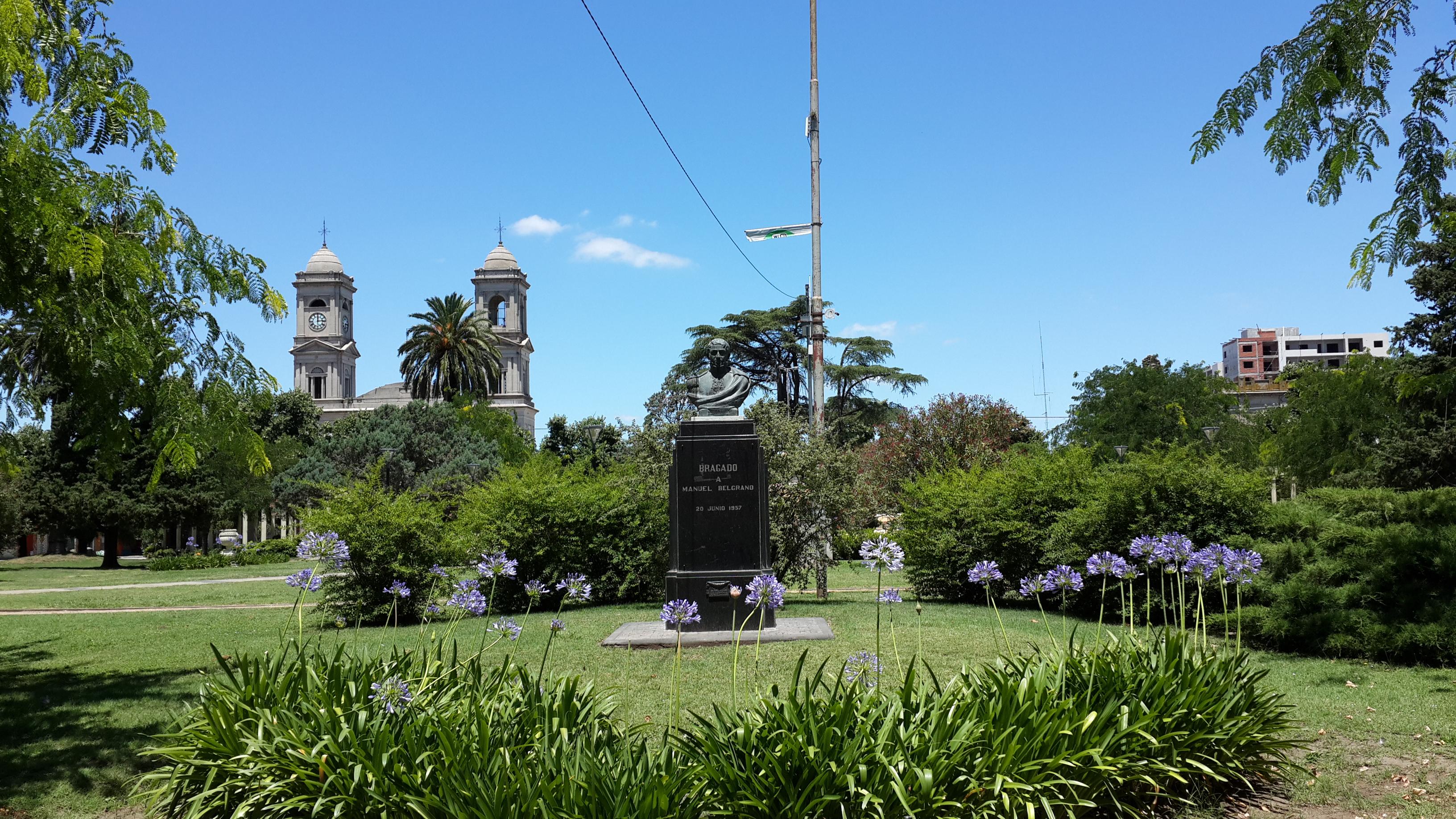 File:Plaza 25 De Mayo De Bragado