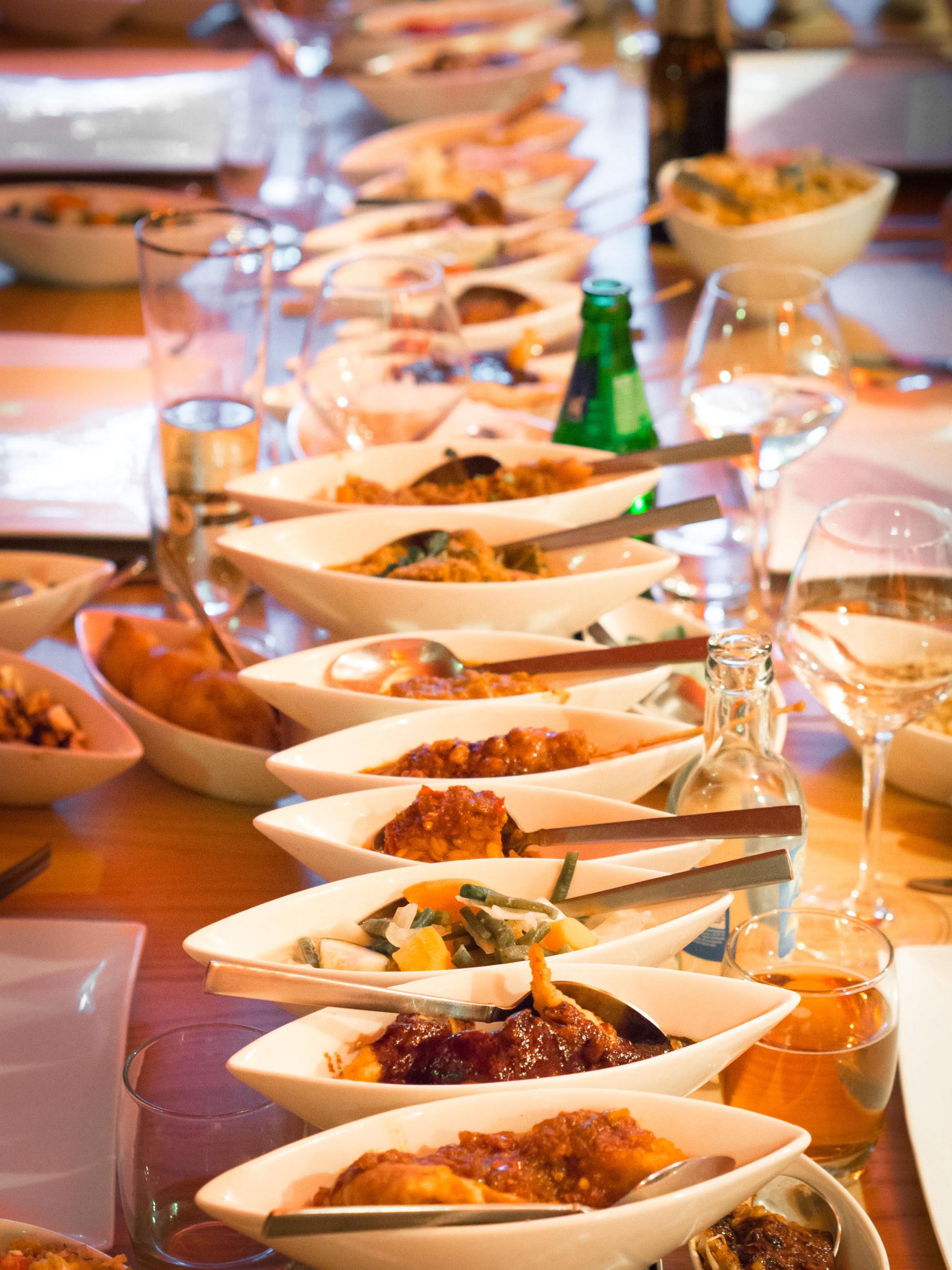 Indonesian Table Setting Rijsttafel Wikiwand