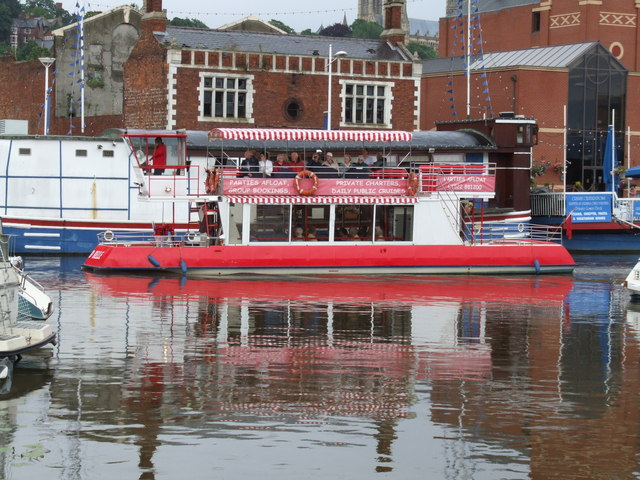 File:River Boat at Brayford Pool, Lincoln - geograph.org.uk - 497908.jpg