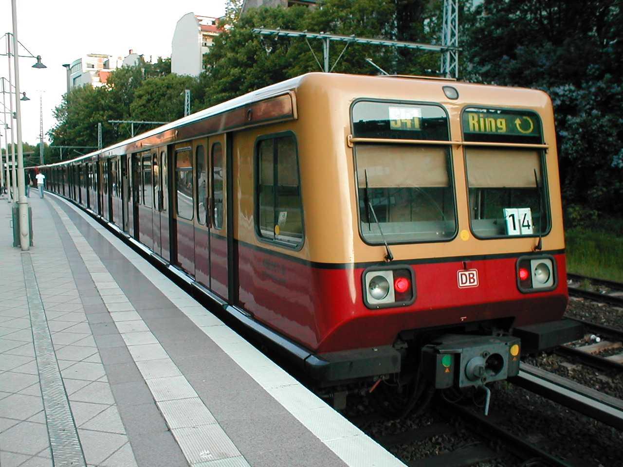 S Bahn Berlin Baureihe 485