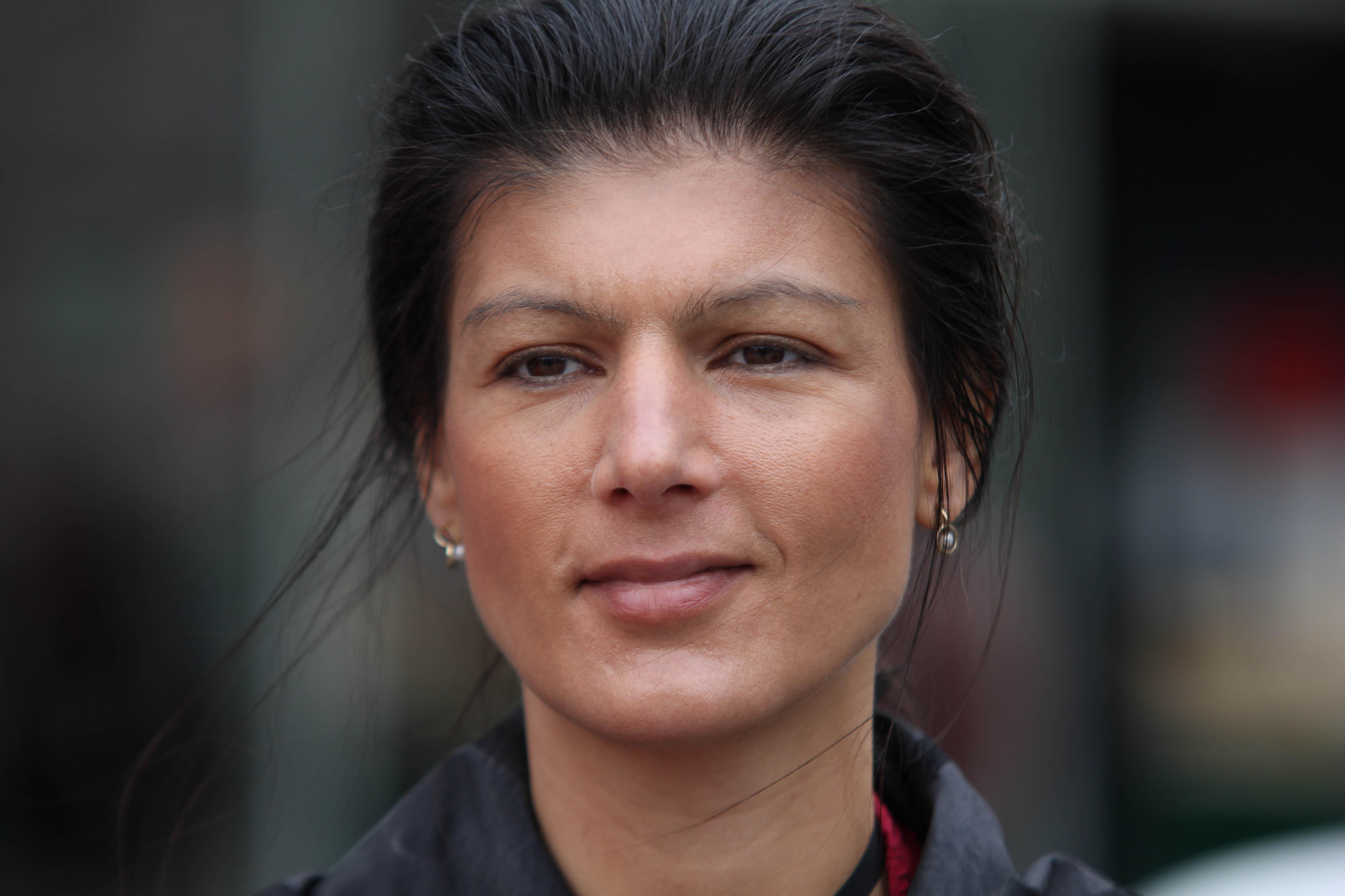 File:Sahra Wagenknecht 2012 3.jpg - Wikimedia Commons