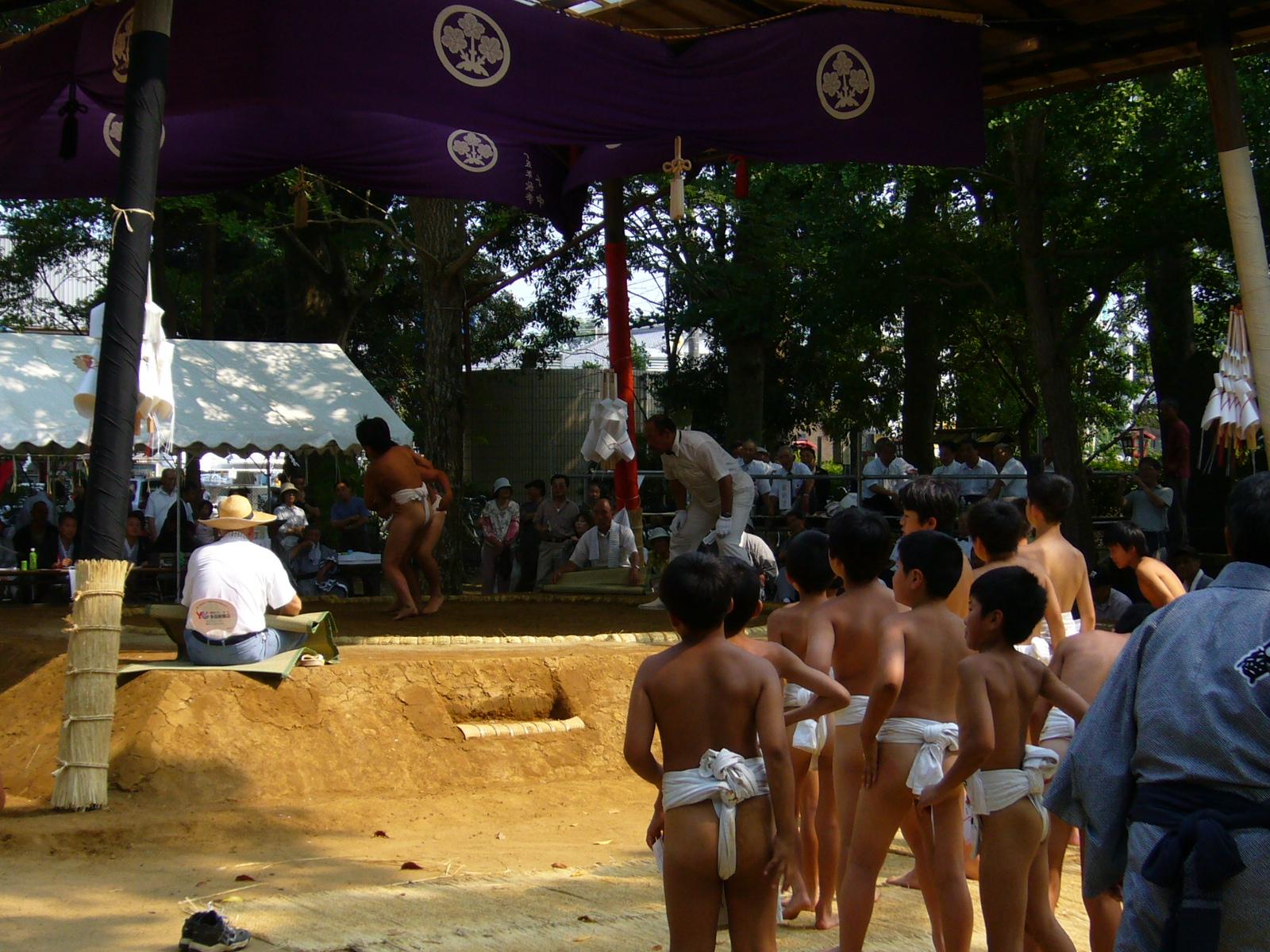 Tonosho Japan  city pictures gallery : ... sumo,suwa shrine,tonosho town,chiba,japan Wikimedia Commons