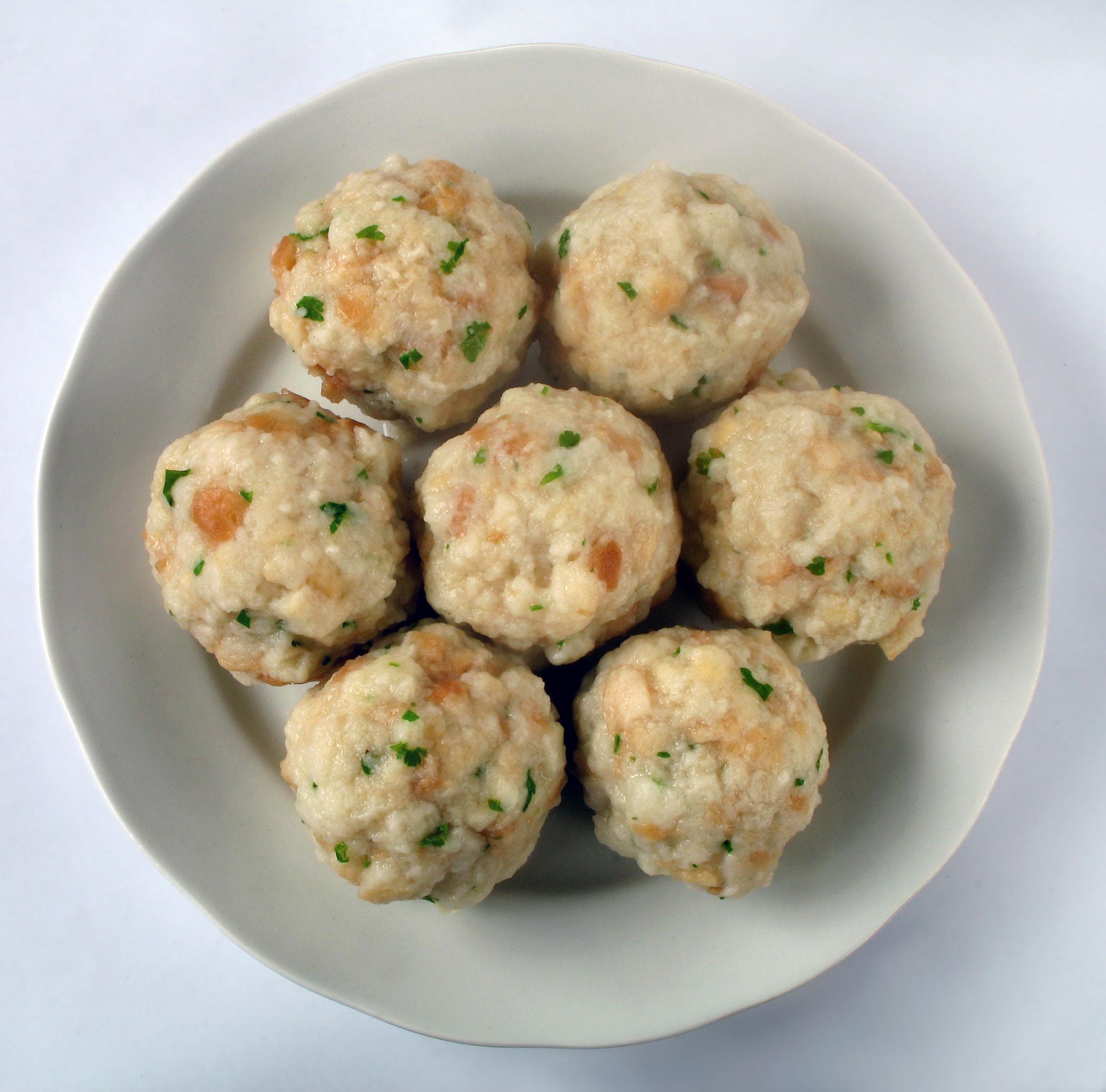 Semmelknödel (aka: Nadle, boiled bread balls)   A Personal ...