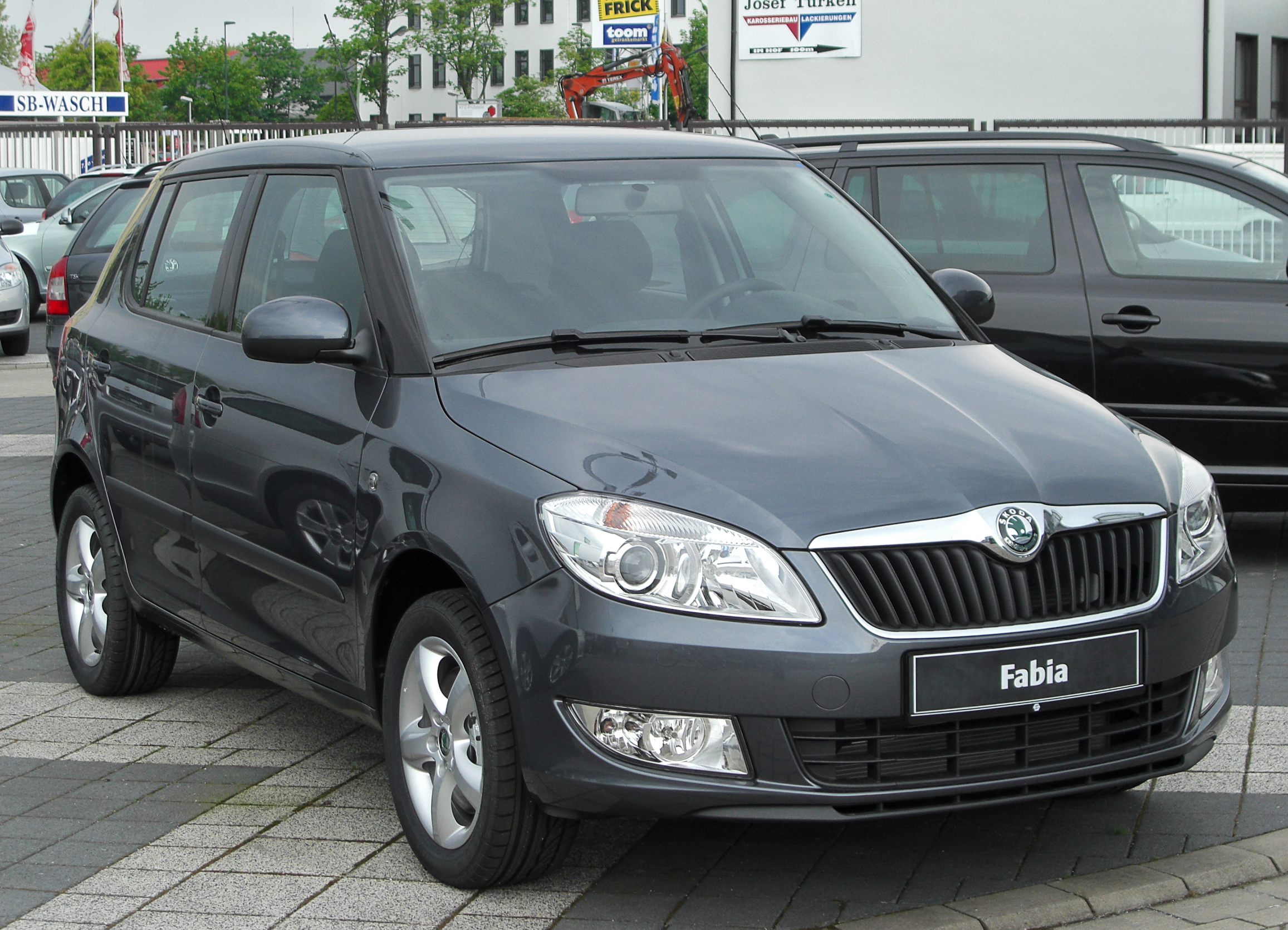 datei skoda fabia ii facelift front wikipedia. Black Bedroom Furniture Sets. Home Design Ideas