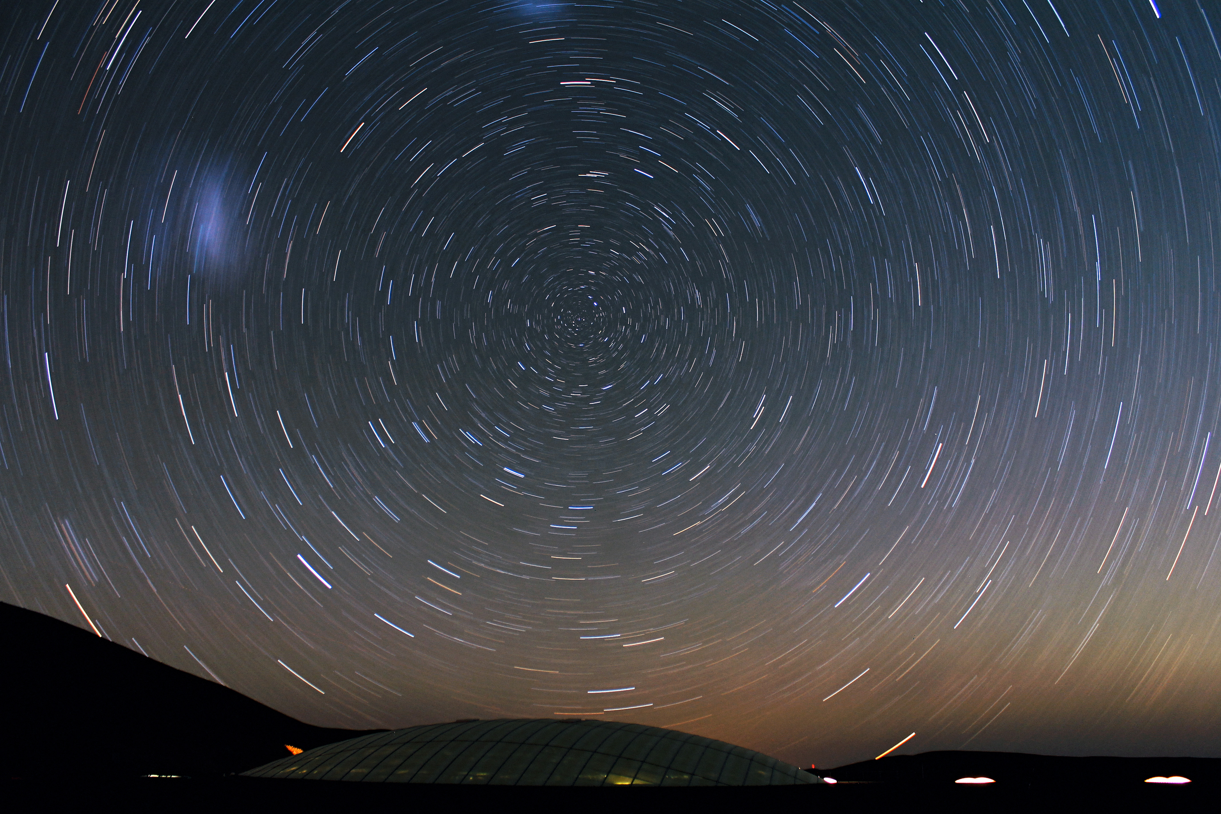 Stars_Circle_over_the_Residencia_at_Cerr