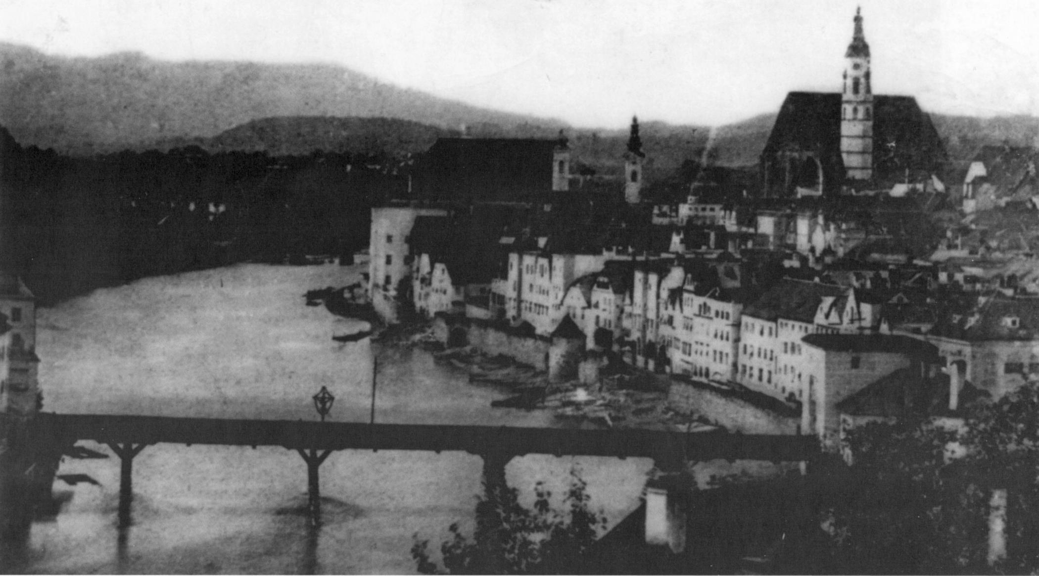 Aufnahme von 1857. Die Stadtmauer am Ennskai wird abgebrochen