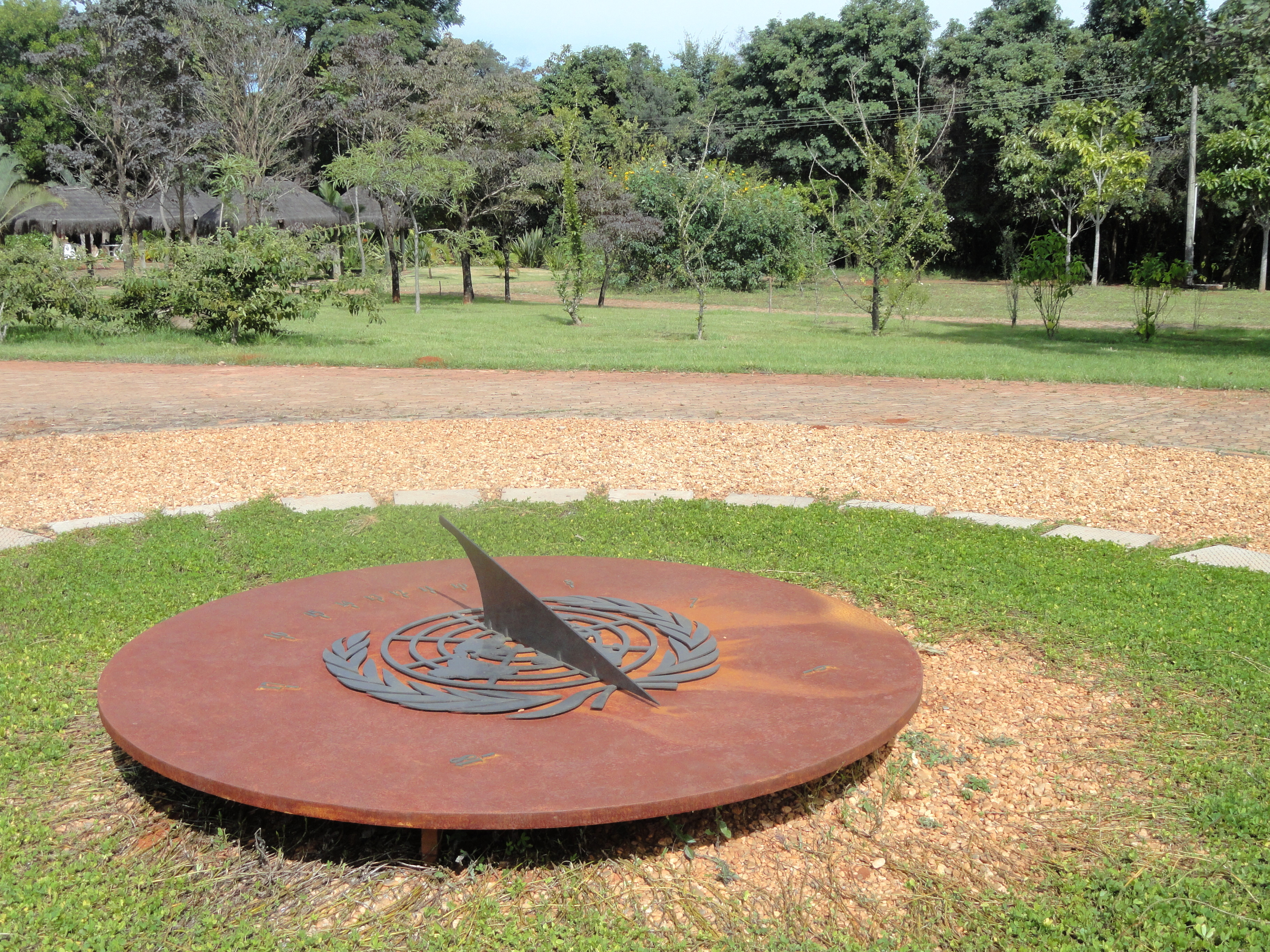 Description Sundial  Jardim Botânico de Brasília  DSC09696JPG