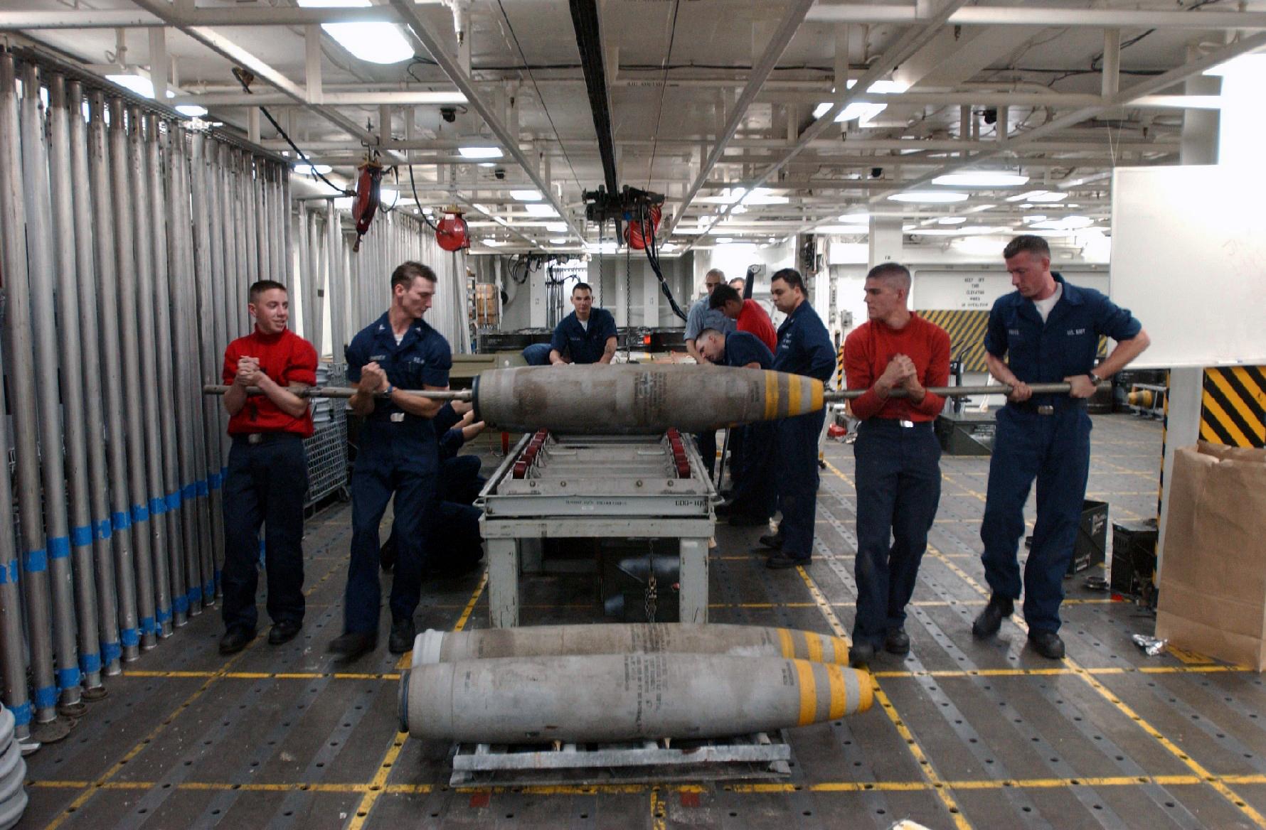 File Us Navy 030129 N 5362f 004 Aviation Ordnanceman