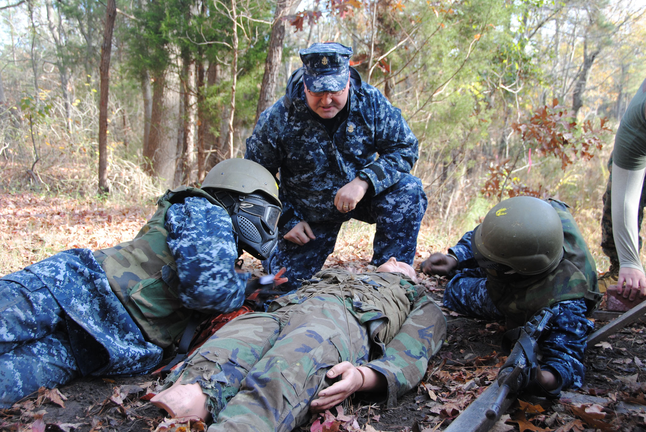 File:US Navy 101202-N-1580K-077 A chief hospital corpsman ...