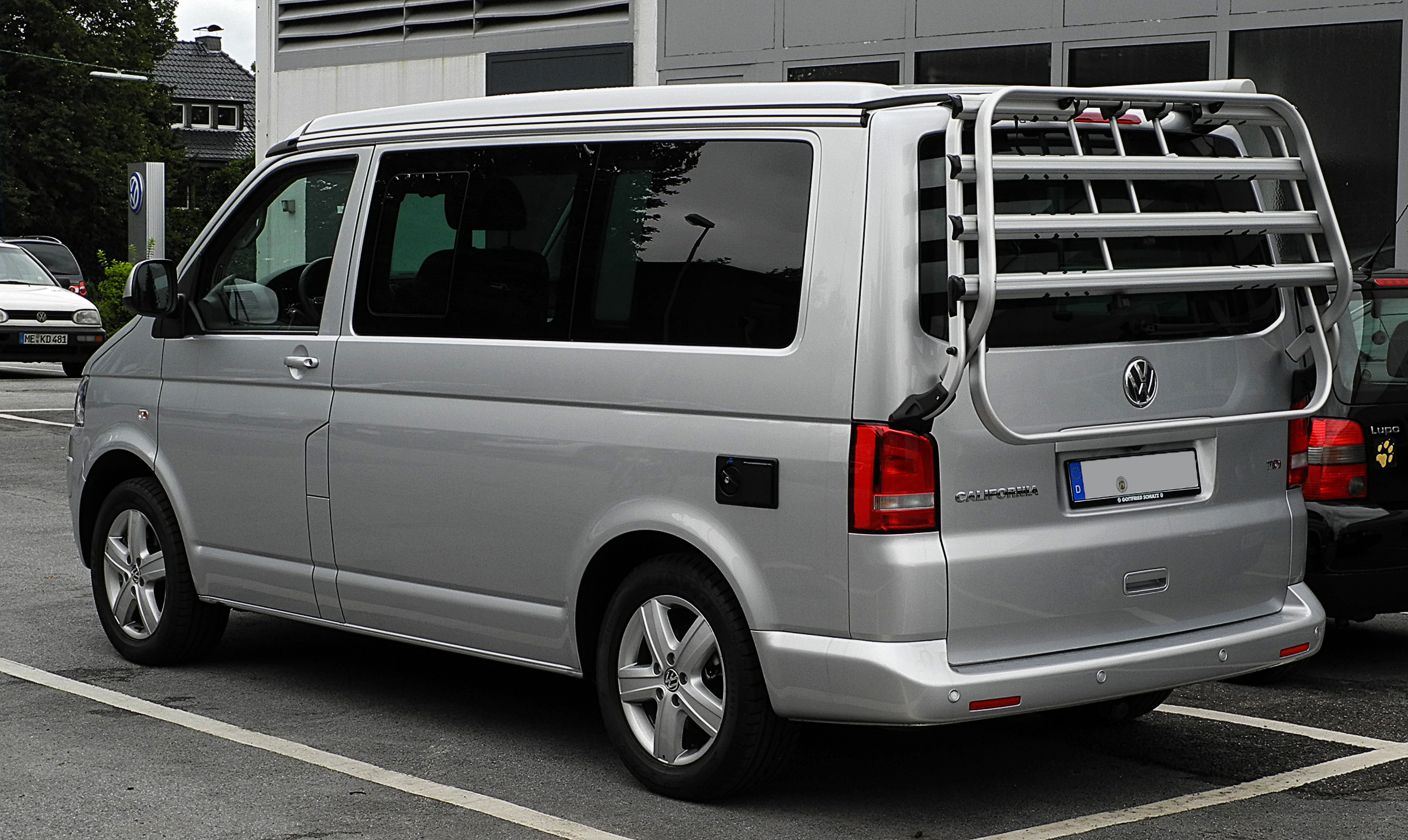 file vw california europe 2 0 tdi t5 facelift heckansicht 30 juli 2011. Black Bedroom Furniture Sets. Home Design Ideas