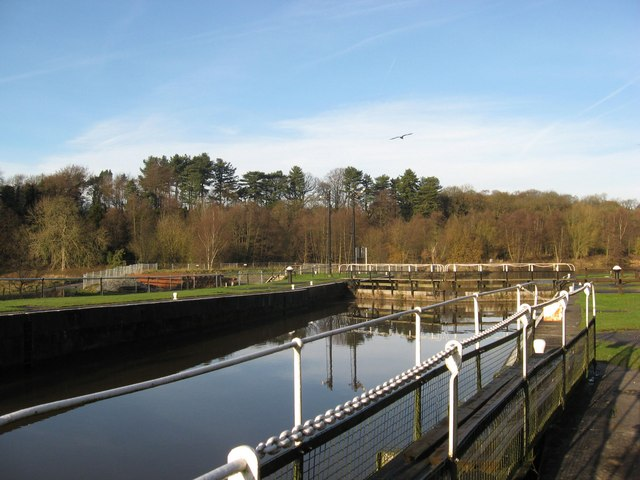 Vale Royal locks on the River Weaver - geograph.org.uk - 1074972