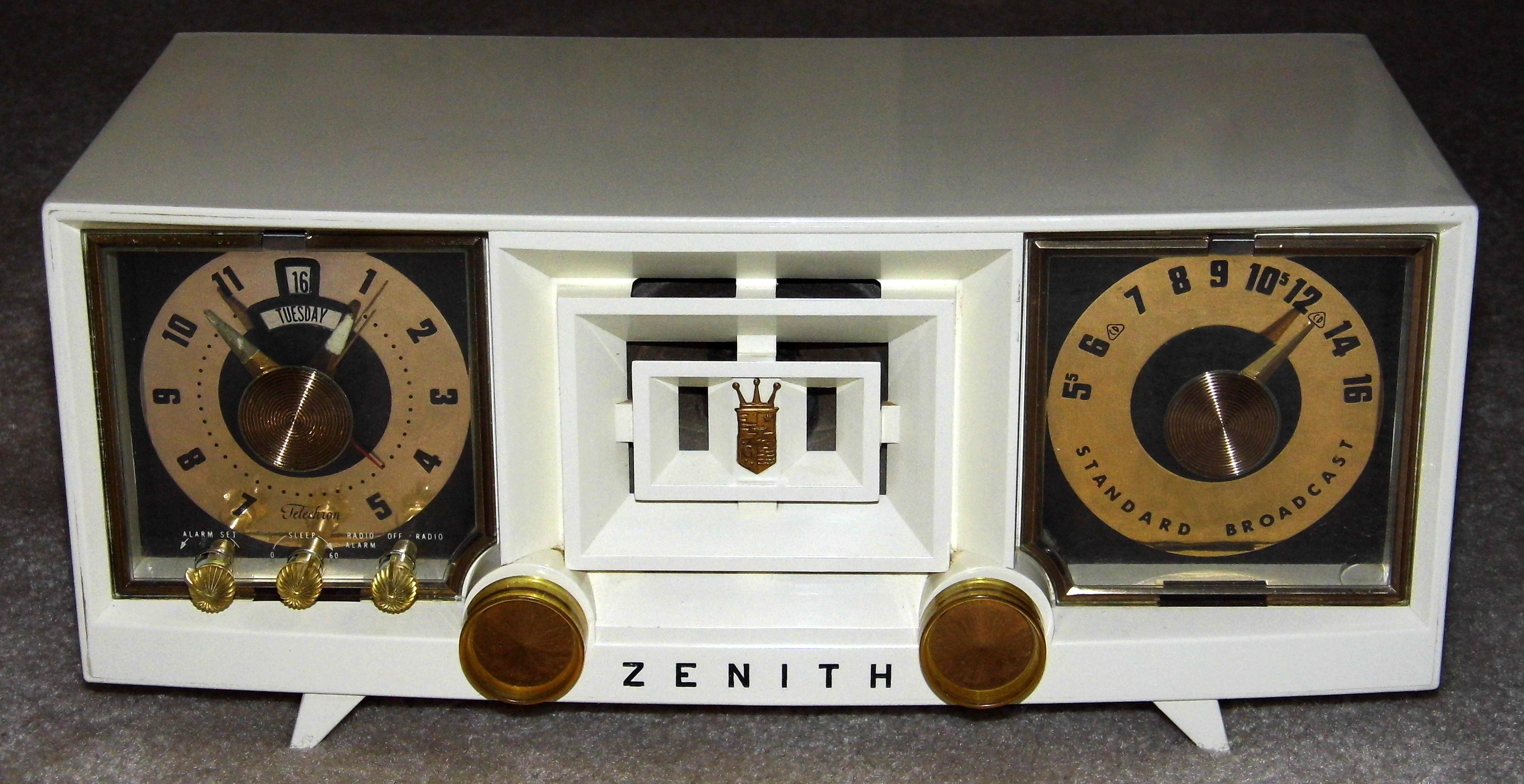 Zenith Model ZG120M Vintage AM FM Clock Radio Digital ... |Zenith Clock Radio