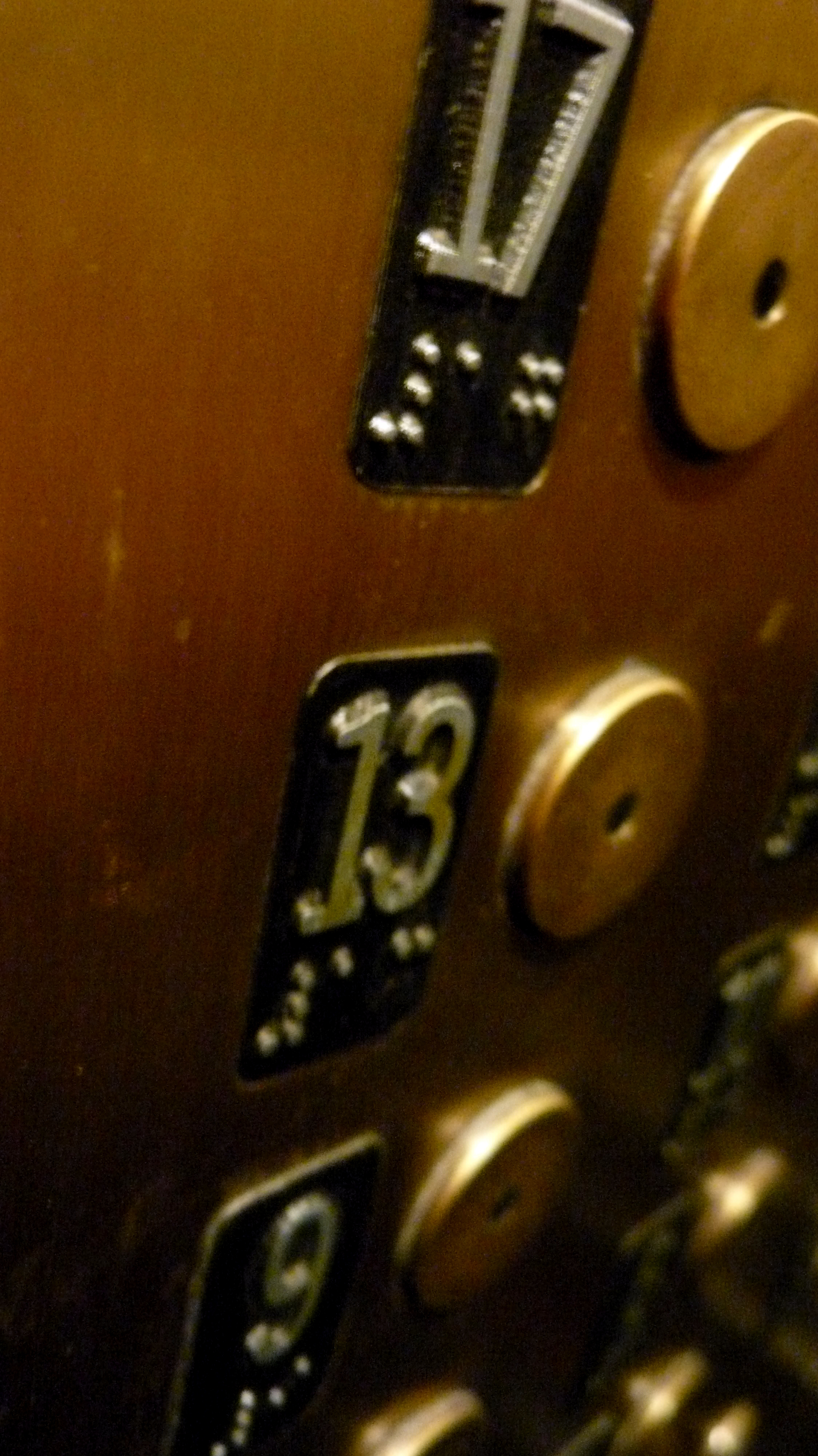 File:13th Floor Button, Elevator, Flatiron Buildin, NYC