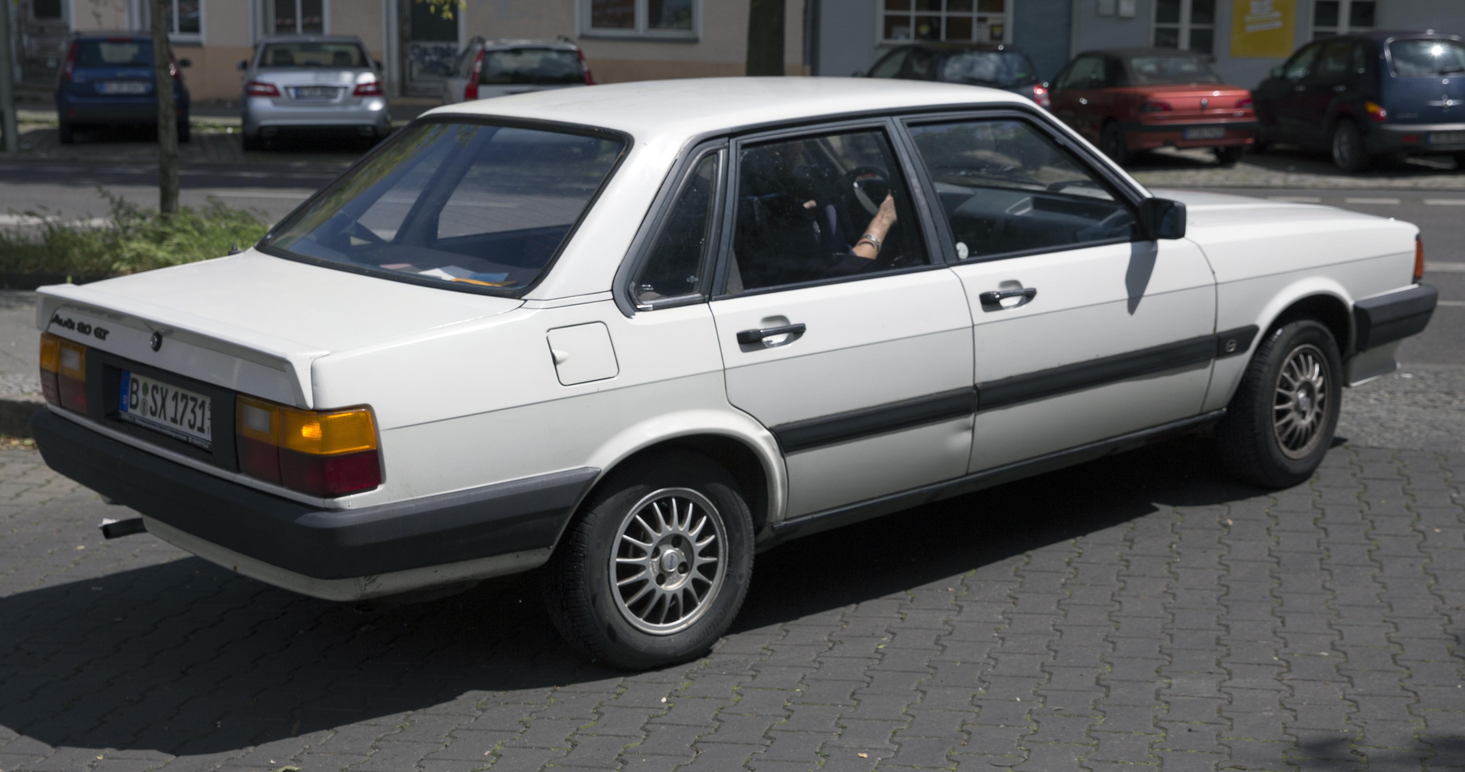 File:1986 Audi 80 GT (white), rear right.jpg - Wikimedia Commons