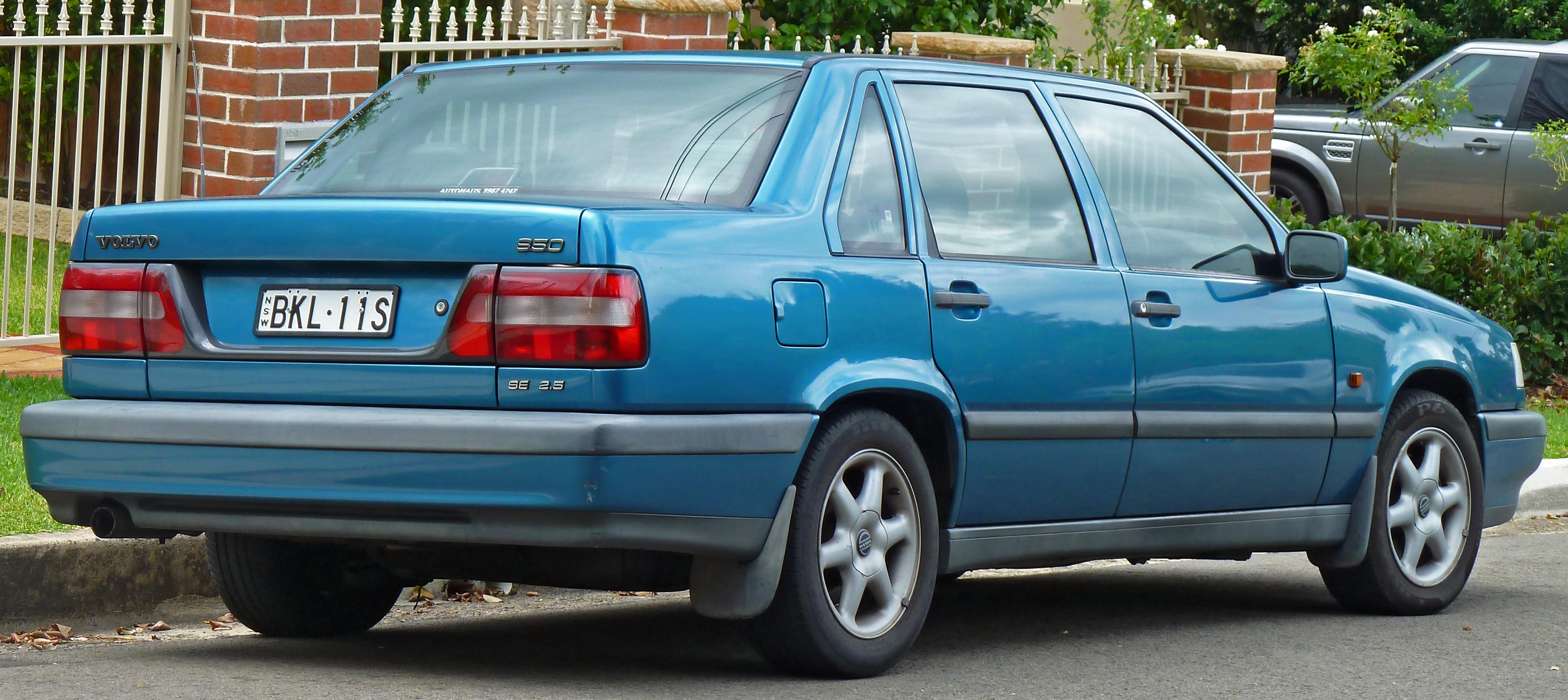 File:1994-1997 Volvo 850 SE 2.5 sedan (2011-04-02).jpg - Wikimedia