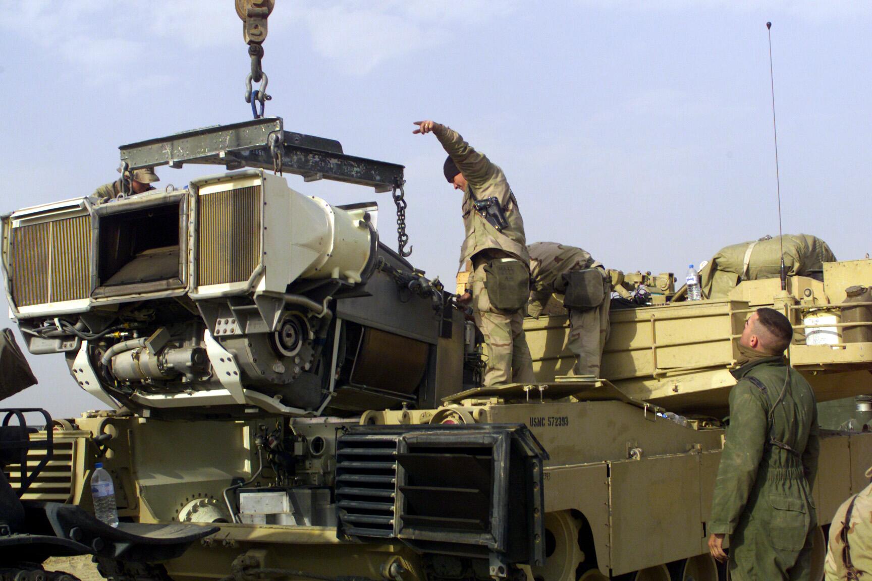 المسابقه الرمضانيه - القوات البرية - M1 Abrams AGT1500_engine_and_M1_tank