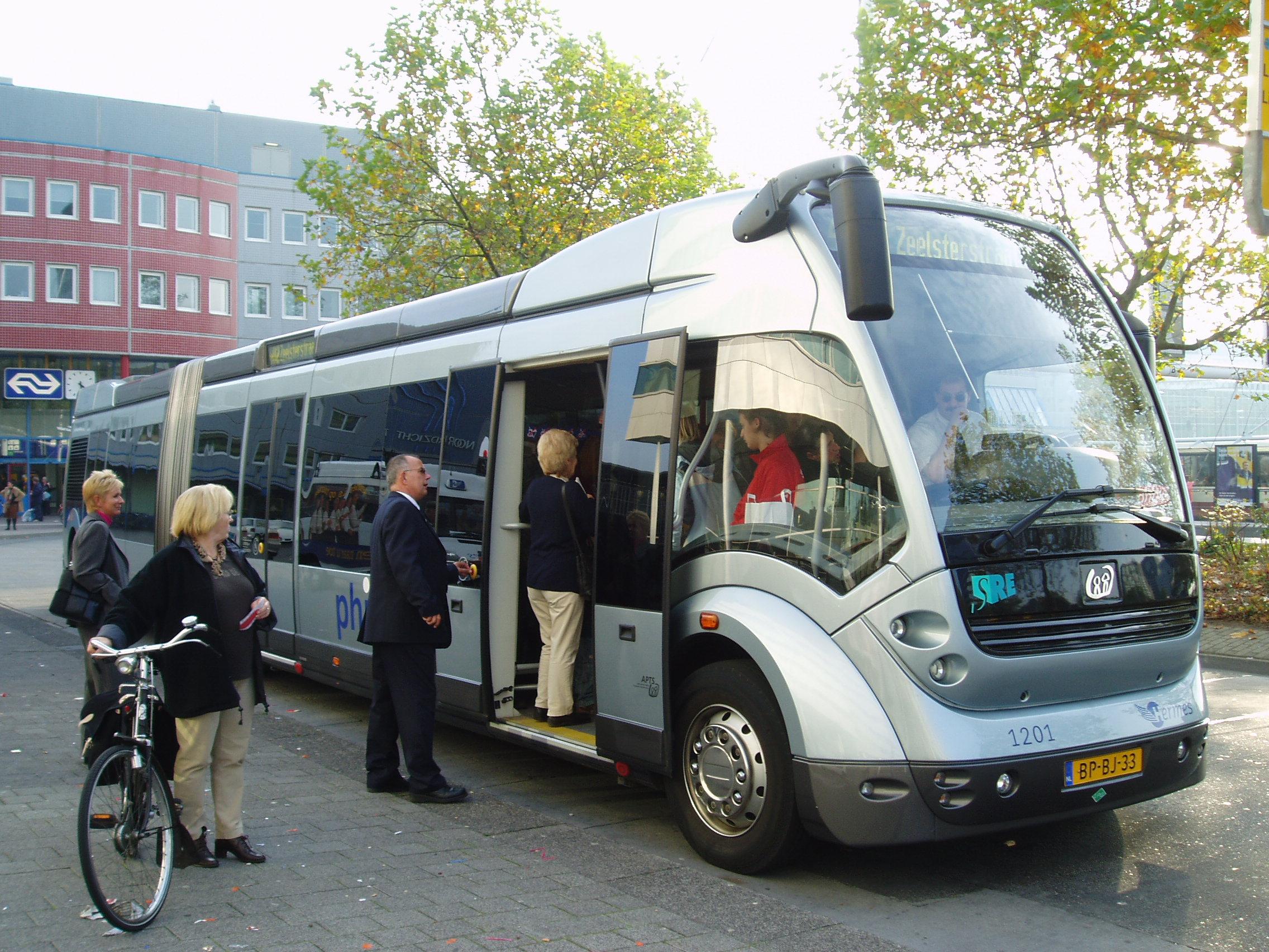 автобус в Голландии