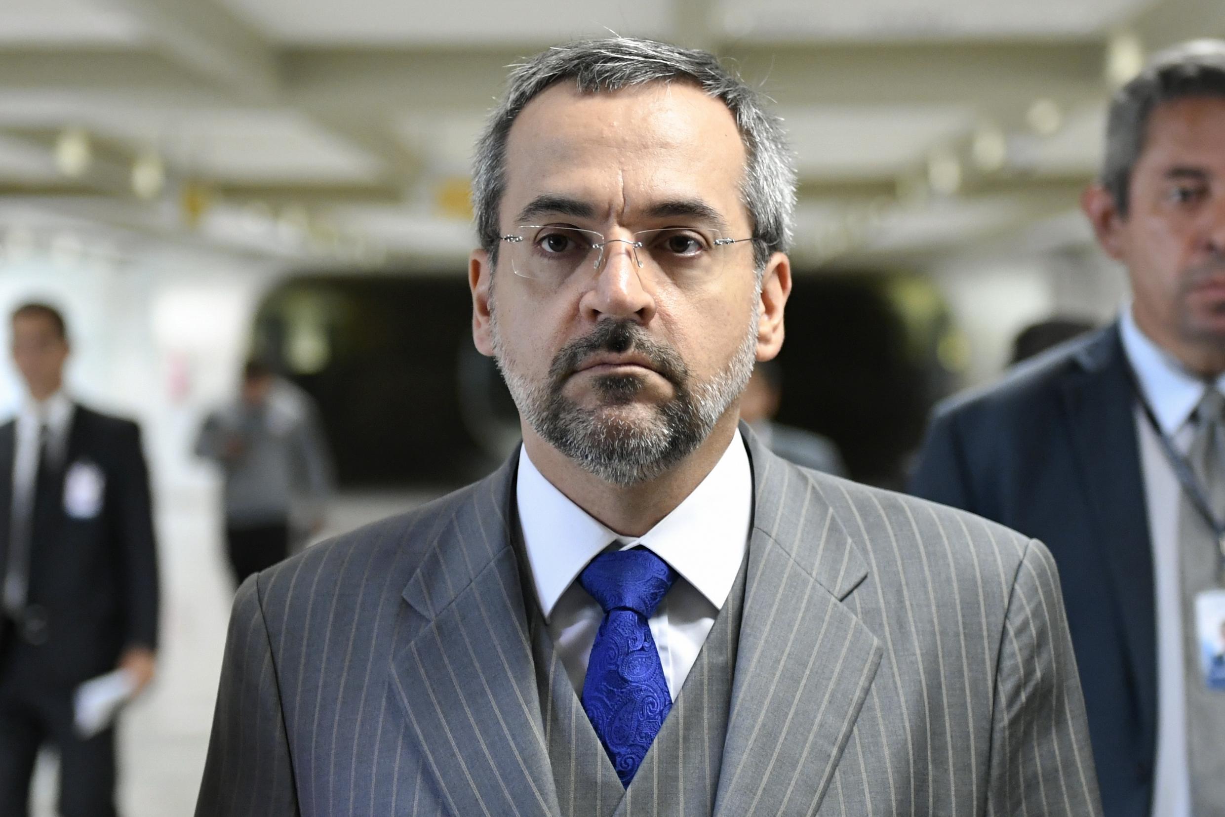 Abraham Weintraub, le Ministre de l'éducation brésilien compte sur la blockchain pour lutter contre le trafic de faux diplôme