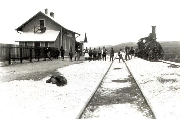 File:Amyndeo (Sorovits), Florina prefecture, Greece - Railway station photograph in 1894.jpg