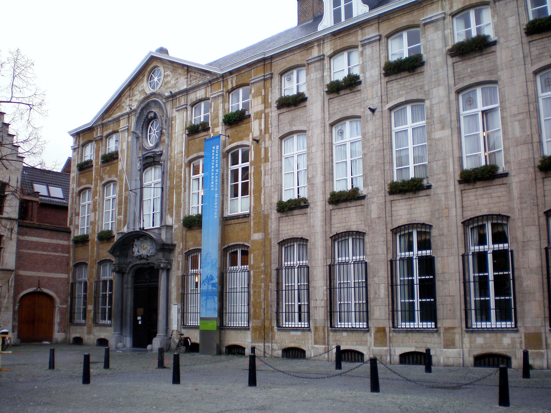 http://upload.wikimedia.org/wikipedia/commons/b/ba/Antwerpen-Plantin_Moretus_Museum.jpg