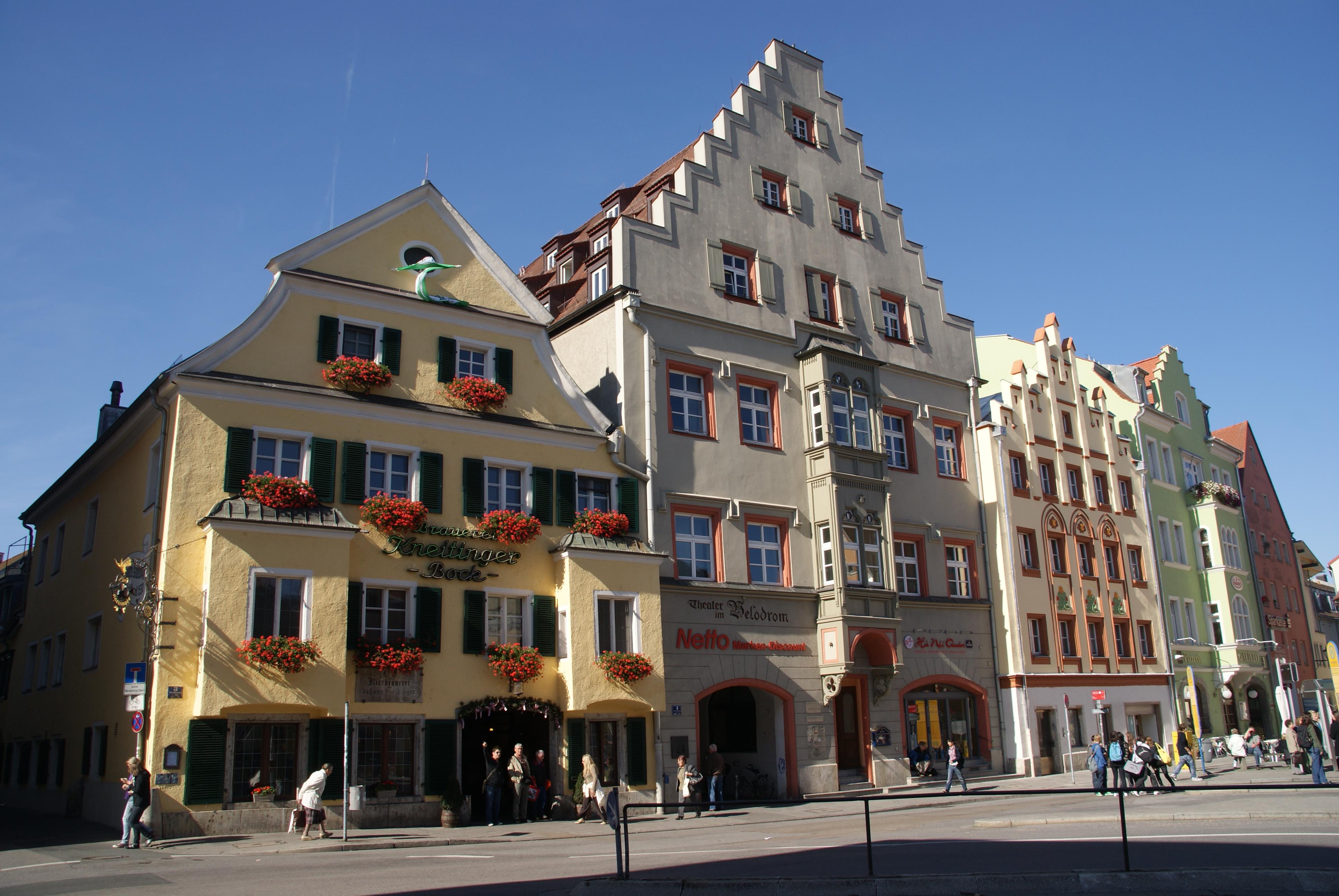 file arnulfsplatz regensburg jpg wikimedia commons. Black Bedroom Furniture Sets. Home Design Ideas