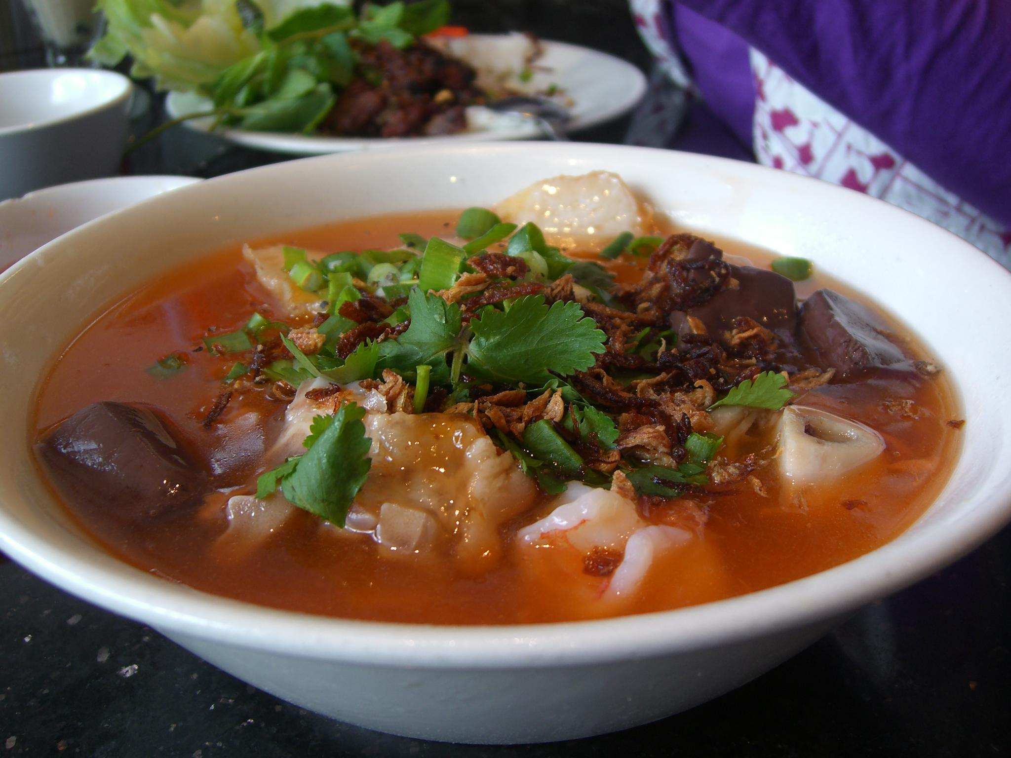 File:Banh Canh with Pork Knuckle, Pork Blood Jelly, Prawn ...