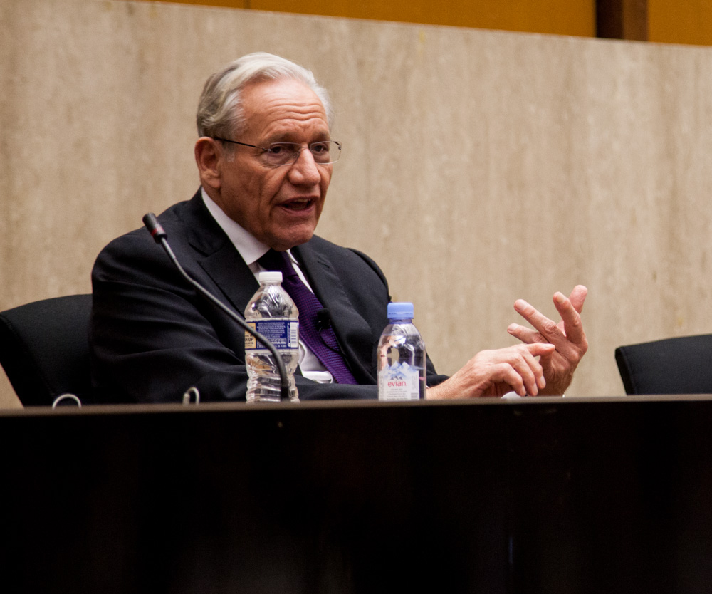File:Bob Woodward meets with Edward R. Murrow participants  (30690375721).jpg - Wikimedia Commons