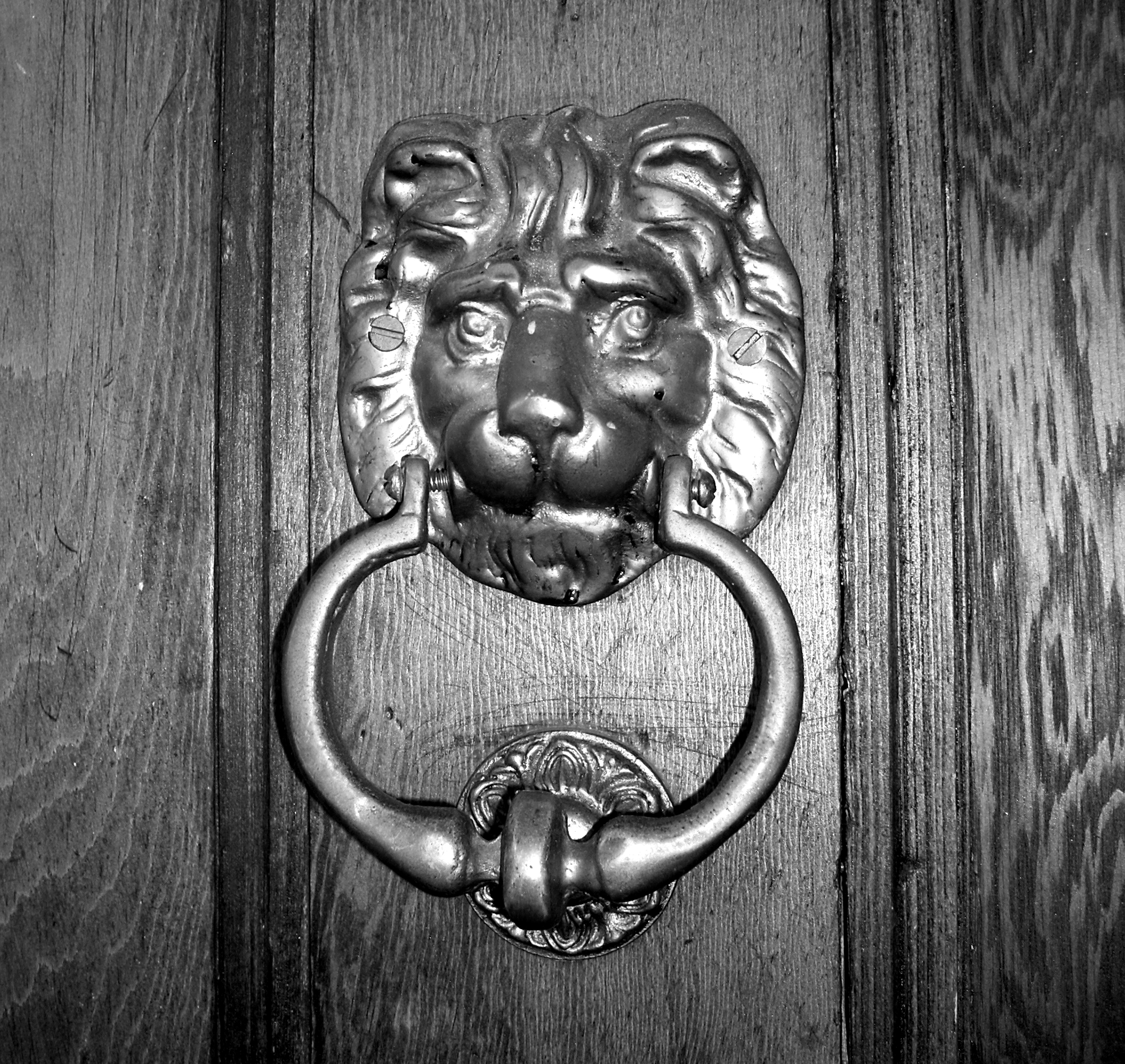 File:Brass Door Knocker
