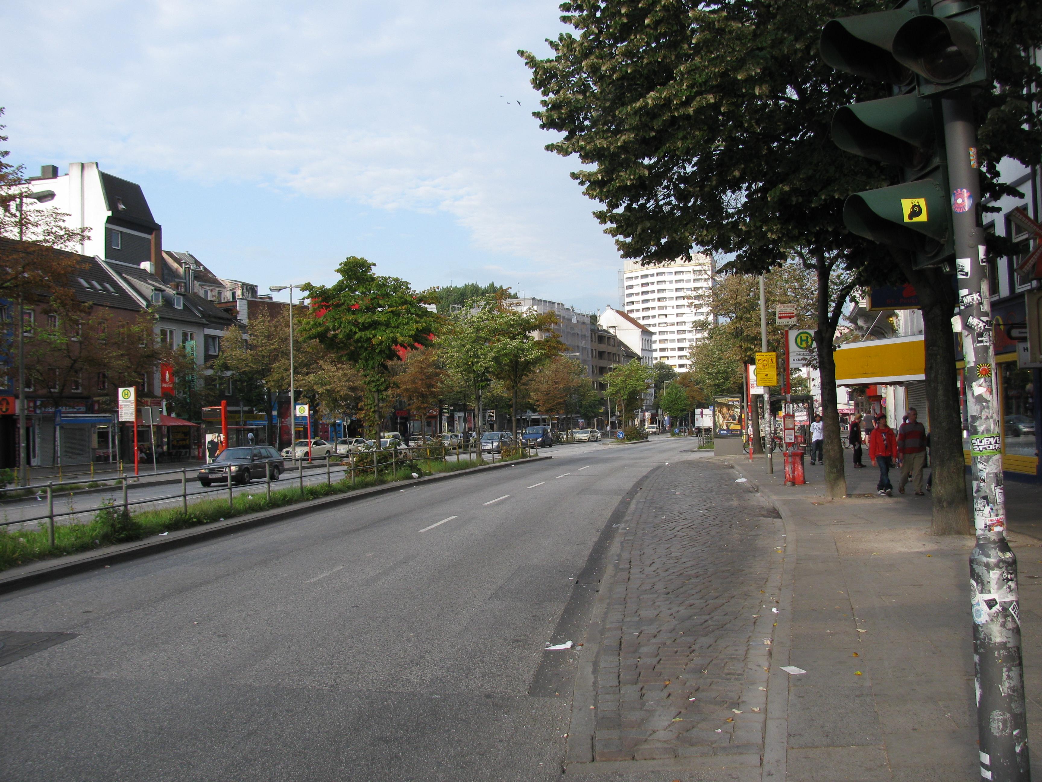 File:Bushaltestelle Davidstraße, 1, St. Pauli, Hamburg.jpg