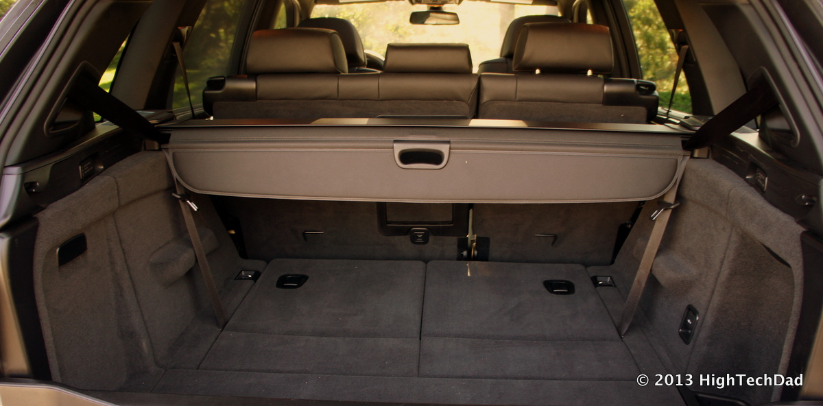 file cargo space 2013 bmw x5 xdrive 35i 9712367424 jpg. Black Bedroom Furniture Sets. Home Design Ideas