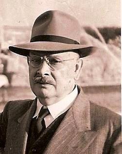 Carlos López Bustamante journalist
