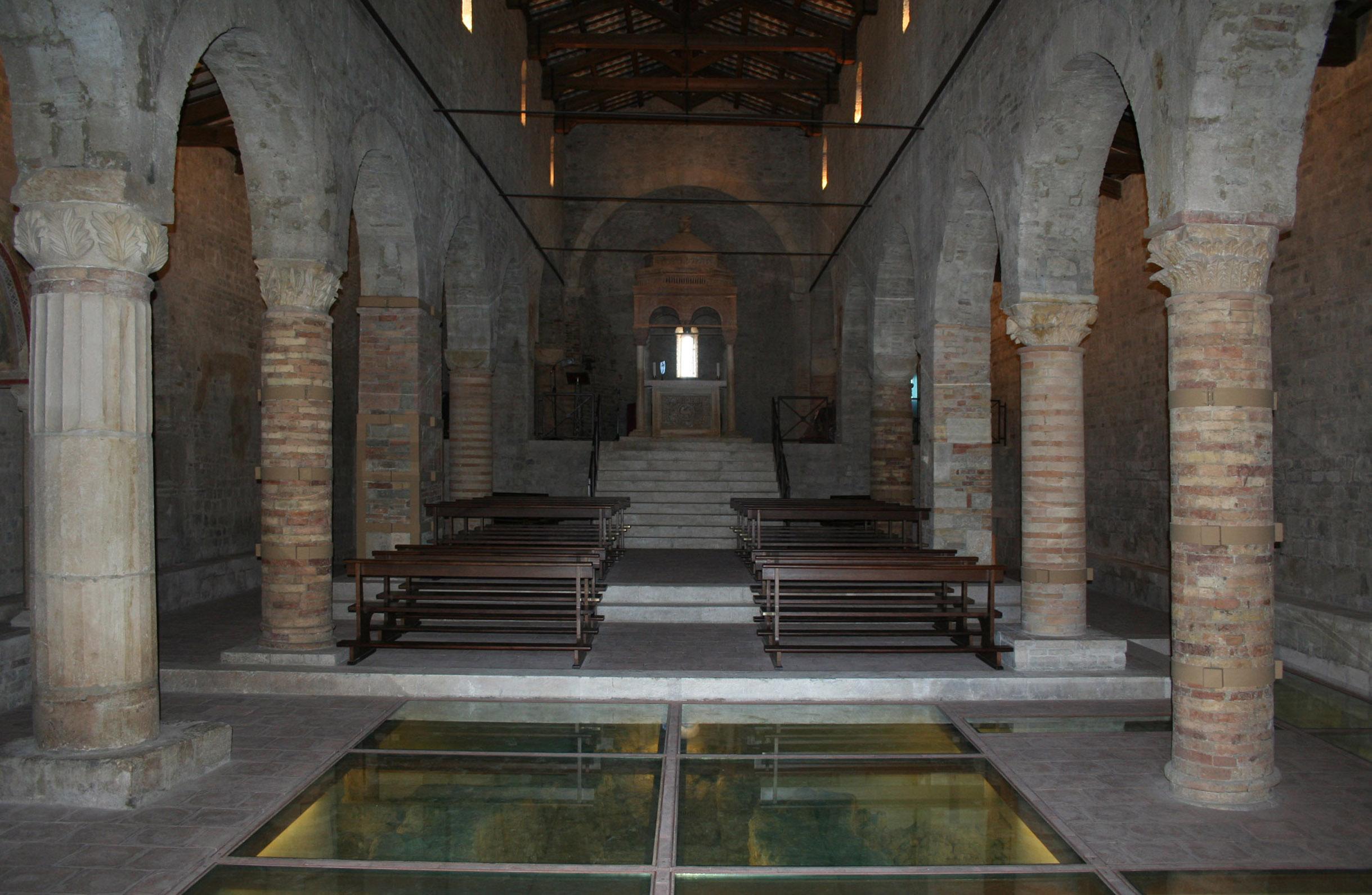 File chiesa di san clemente al vomano for Interno 5 b b roma