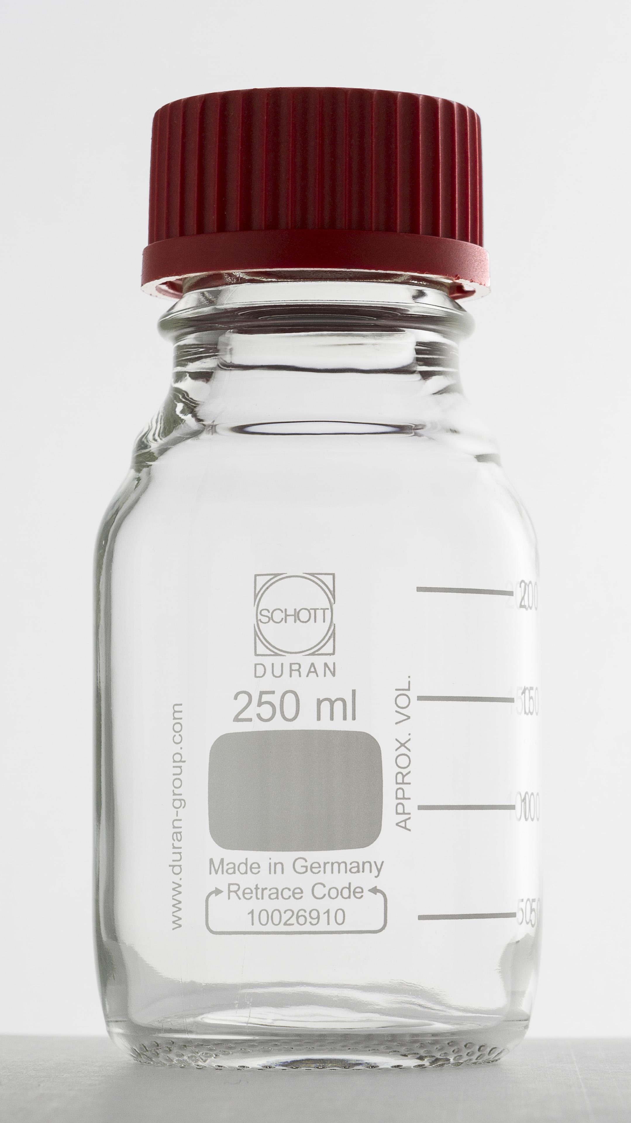 File:DURAN® laboratory bottle 250ml jpg - Wikimedia Commons