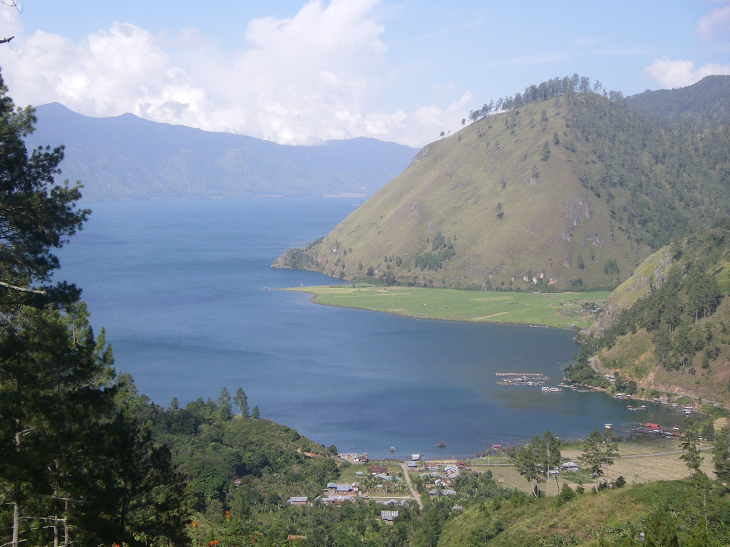 Description danau laut tawar
