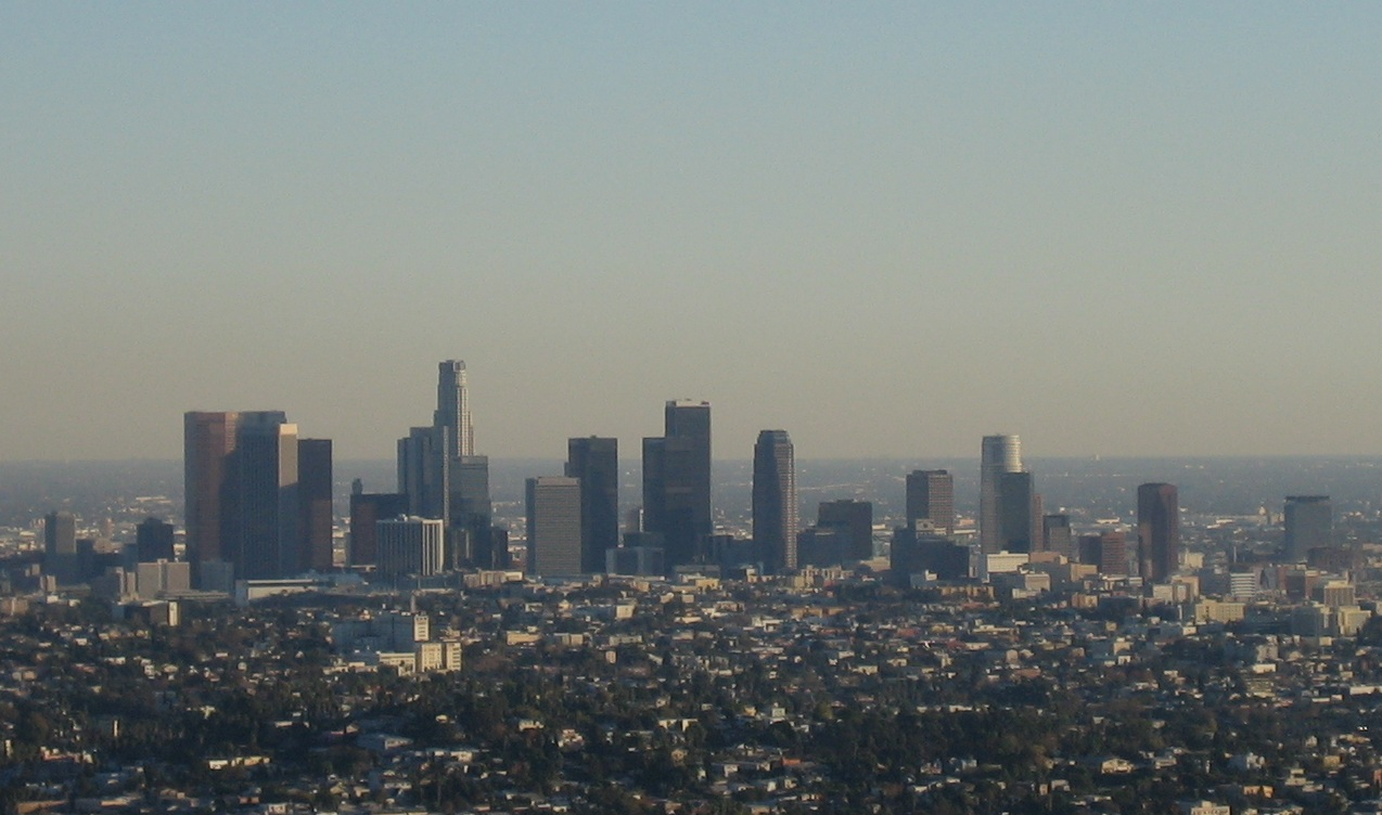 https://upload.wikimedia.org/wikipedia/commons/b/ba/Downtown_Los_Angeles_skyline.jpg