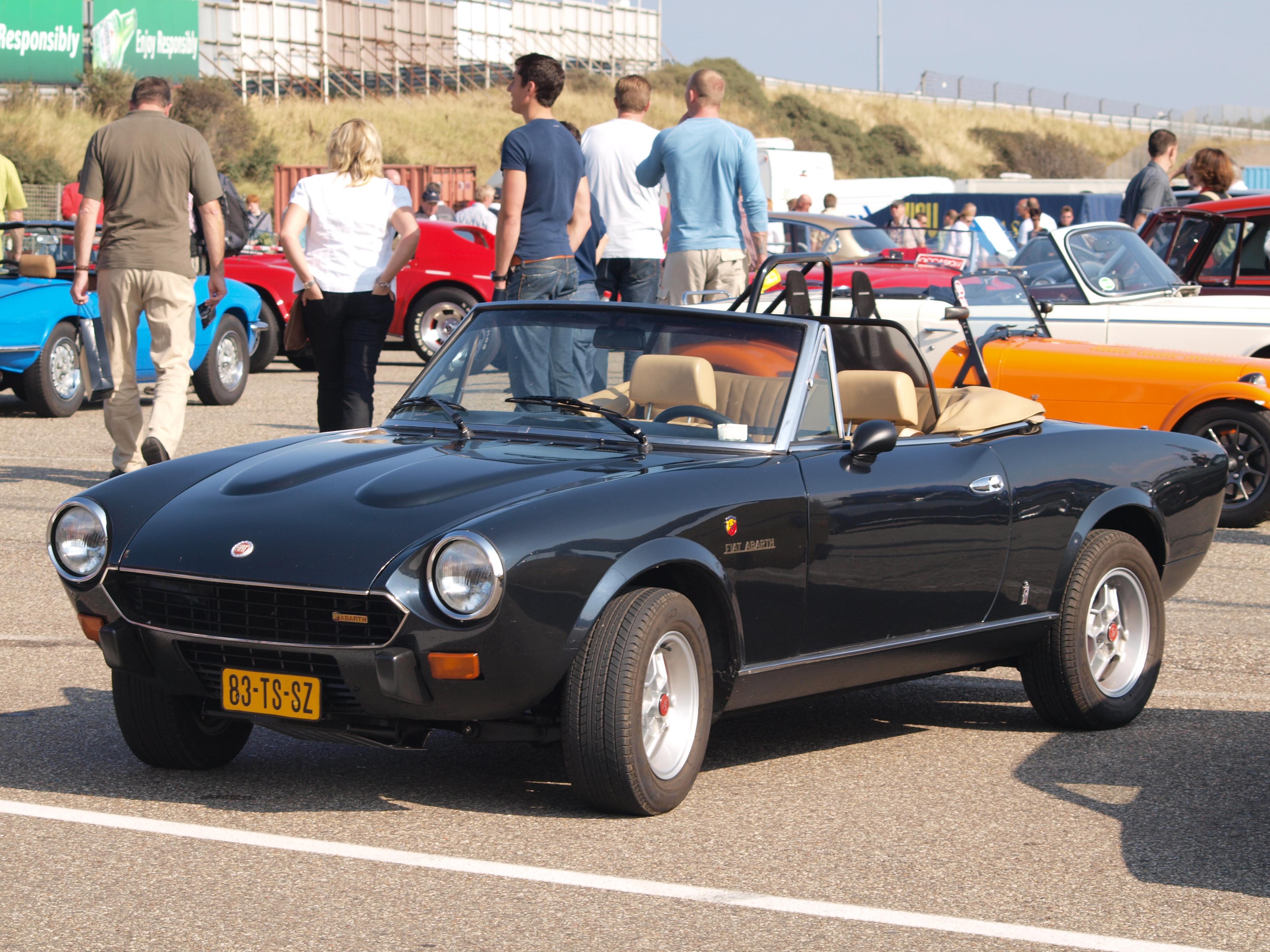 File Fiat 124 Spider 2000 Usa Dutch Licence Registration