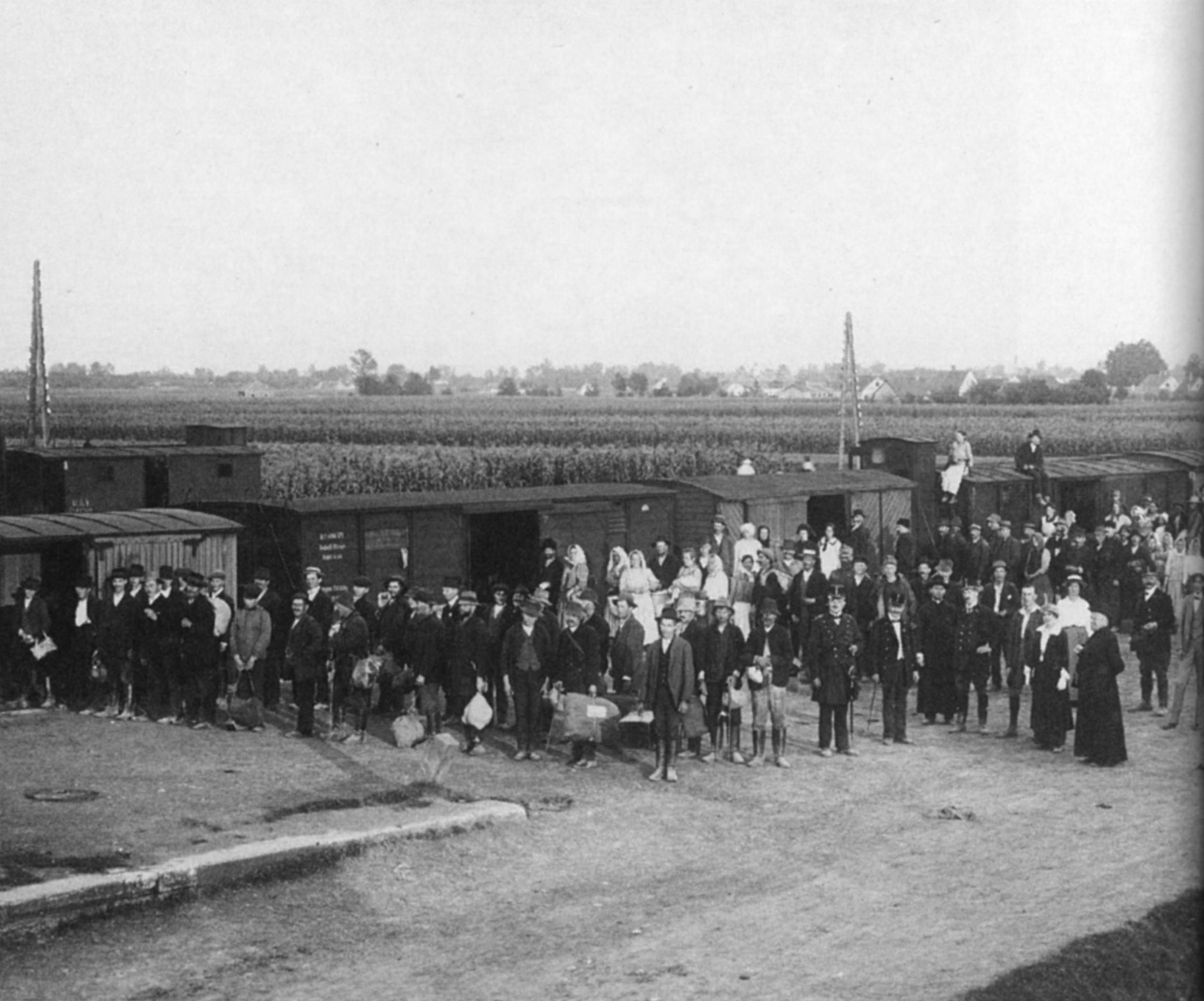 Flüchtlings- und Evakuierungstransport aus Serbien 1914/15 in Leibnitz
