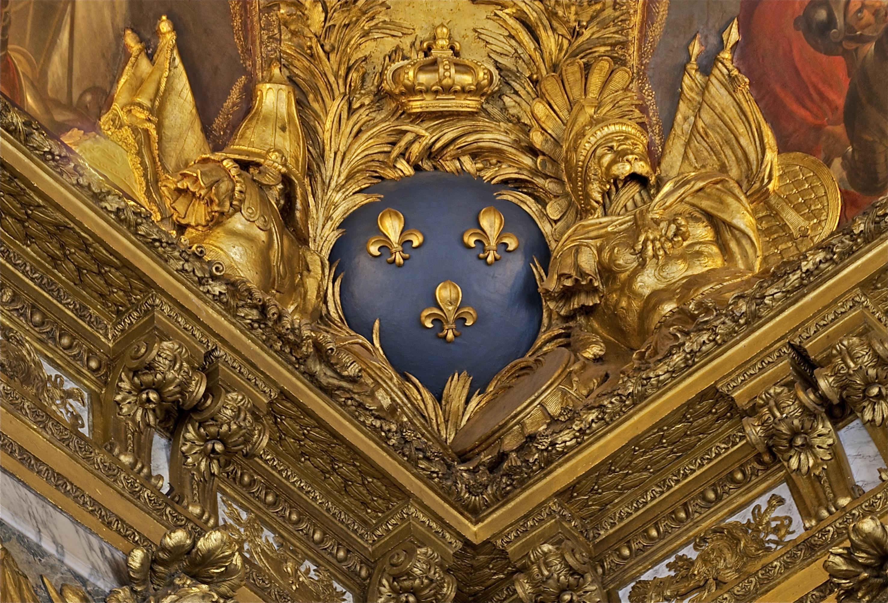 File fleurs de lis salon guerre angle plafond versailles for Salon de versailles