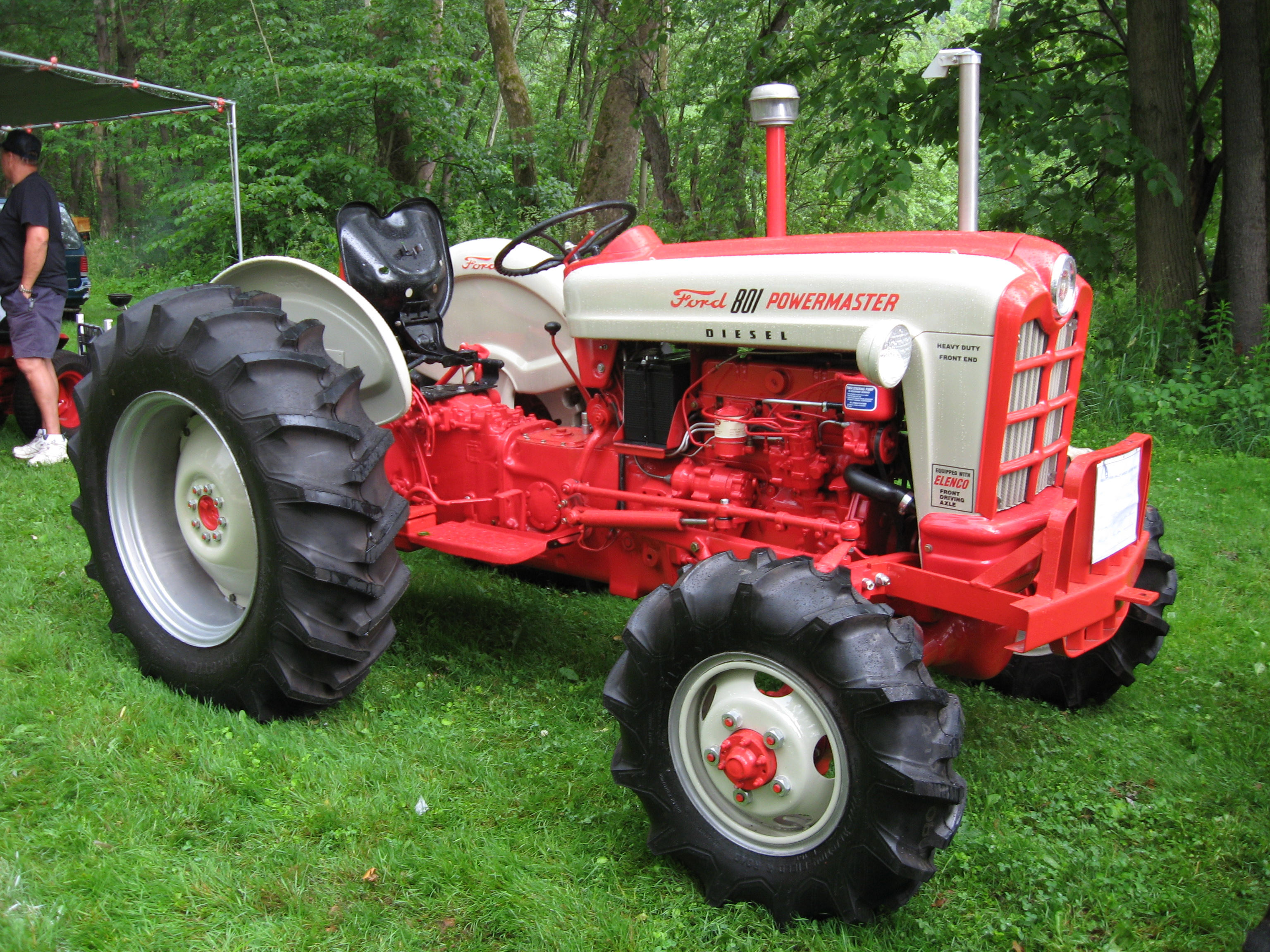 Ford 901 Powermaster Tractor : File ford d powermaster with elenco four wheel drive