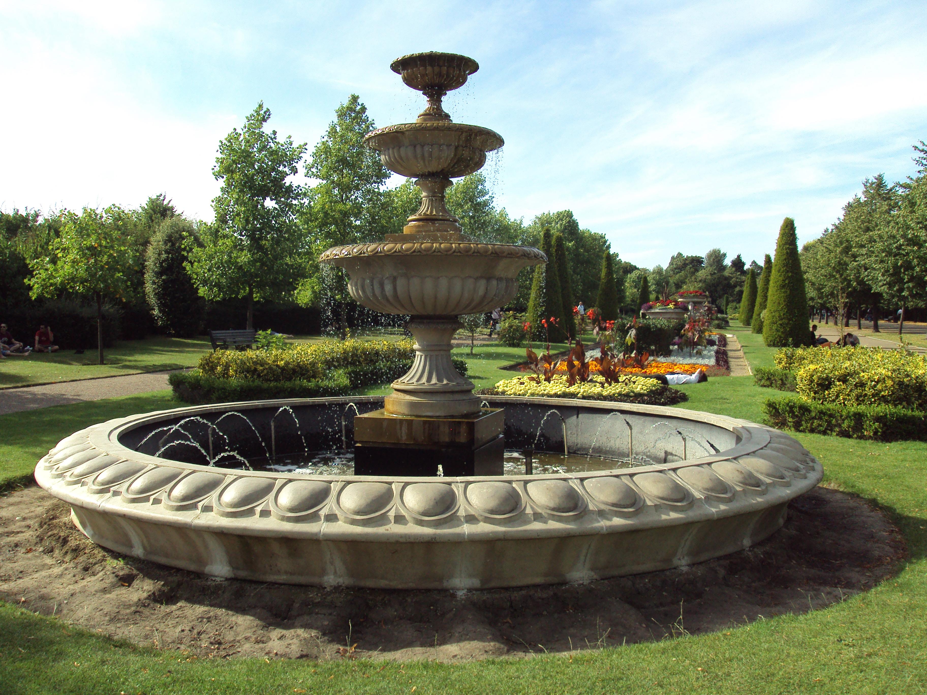 File:Fountain, Regent's Park, London - DSC07045.JPG ...