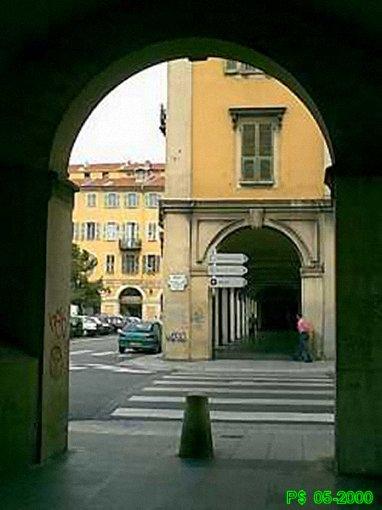 Garibaldi arcades.jpg