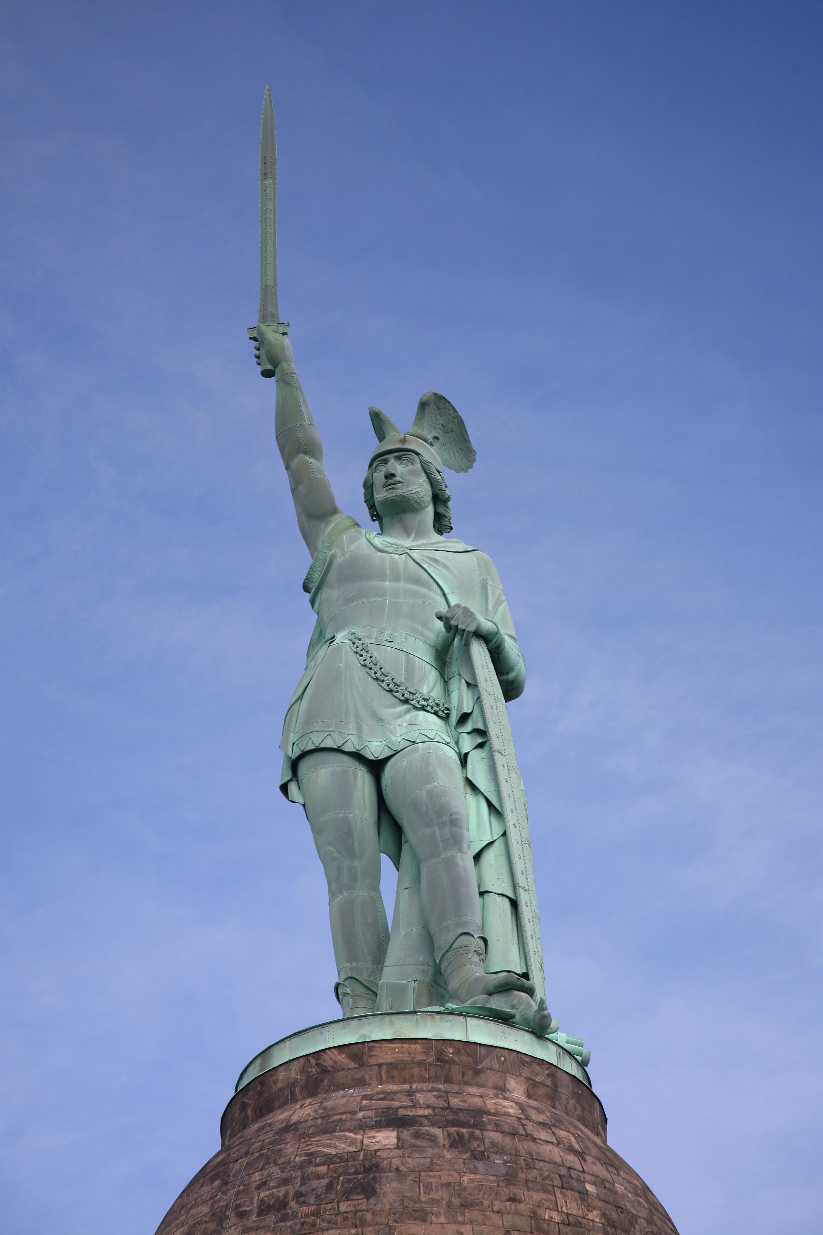 Hermann-Denkmal, Varus-Schlacht bzw. Schlacht im Teutoburger Wald