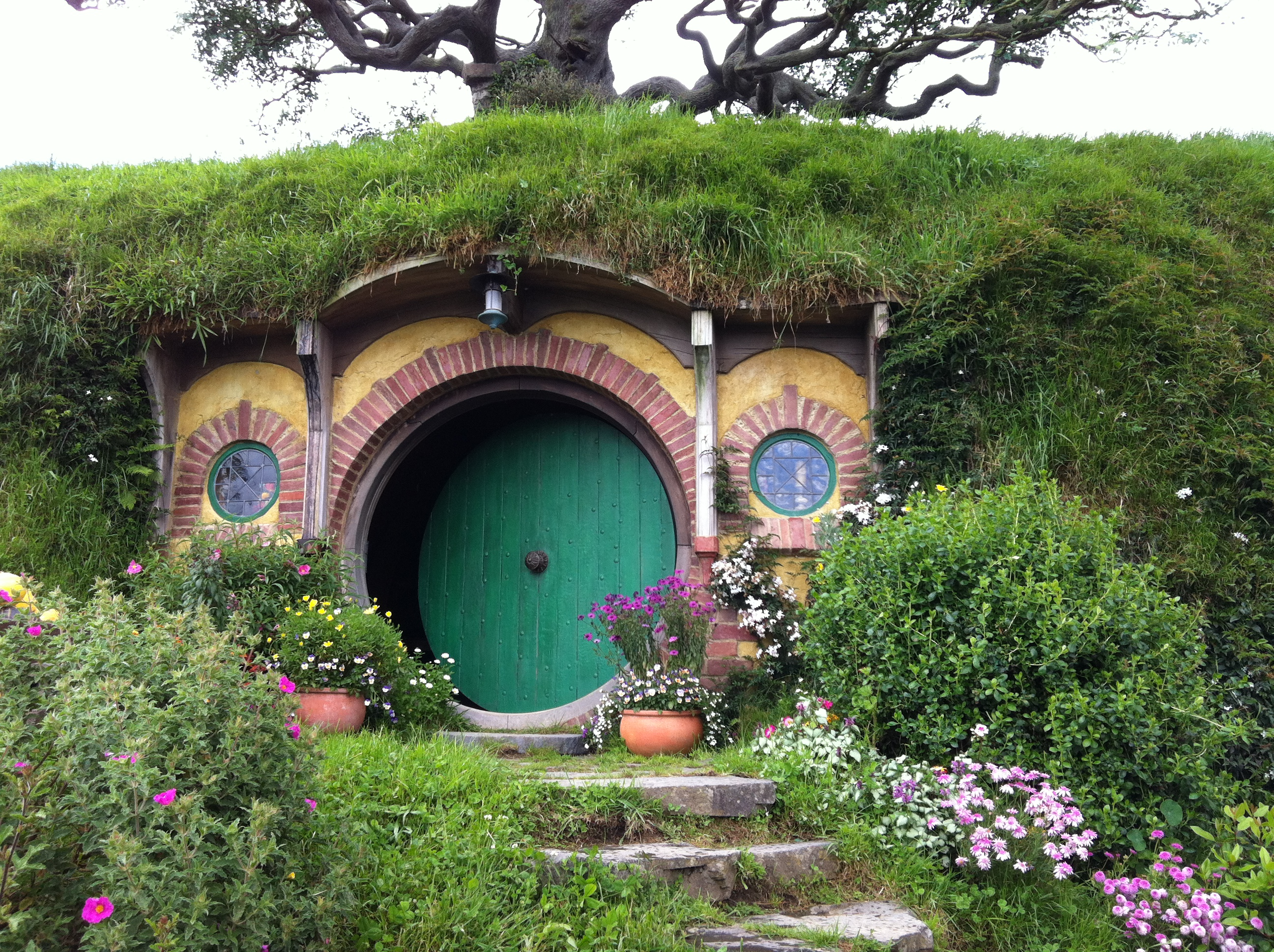 File:Hobbiton, The Shires, Middle-Earth, Matamata, New Zealand - panoramio (7).jpg - Wikimedia Commons