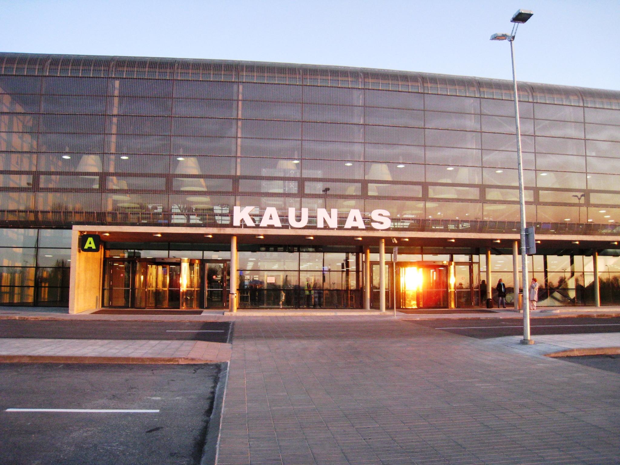 O aeroporto de Kaunas é o quarto aeroporto mais movimentado da região dos bálticos.