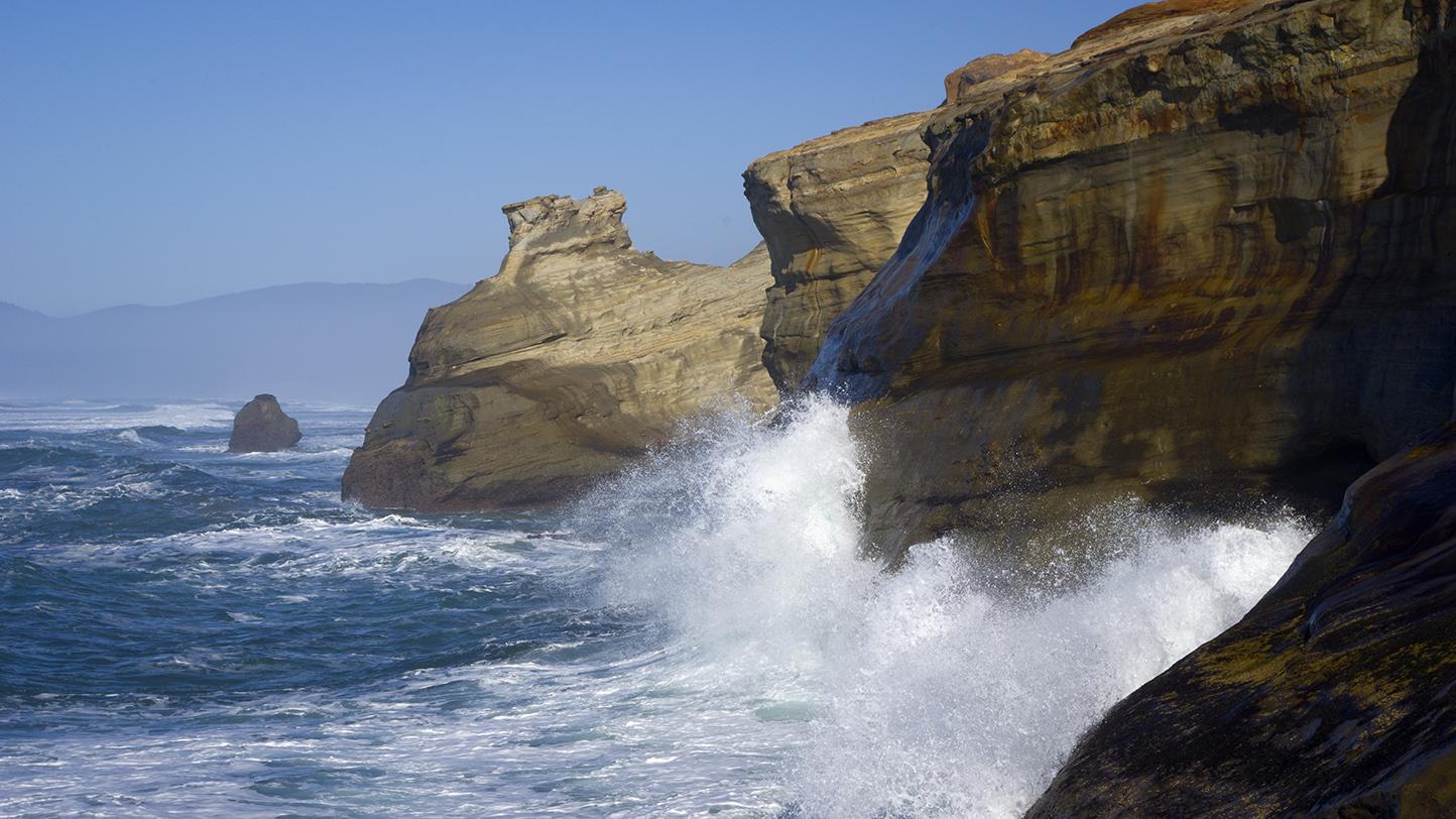 File:Kiwanda Waves Crashing 2 (8400286893).jpg - Wikimedia ... Pacific Ocean Waves