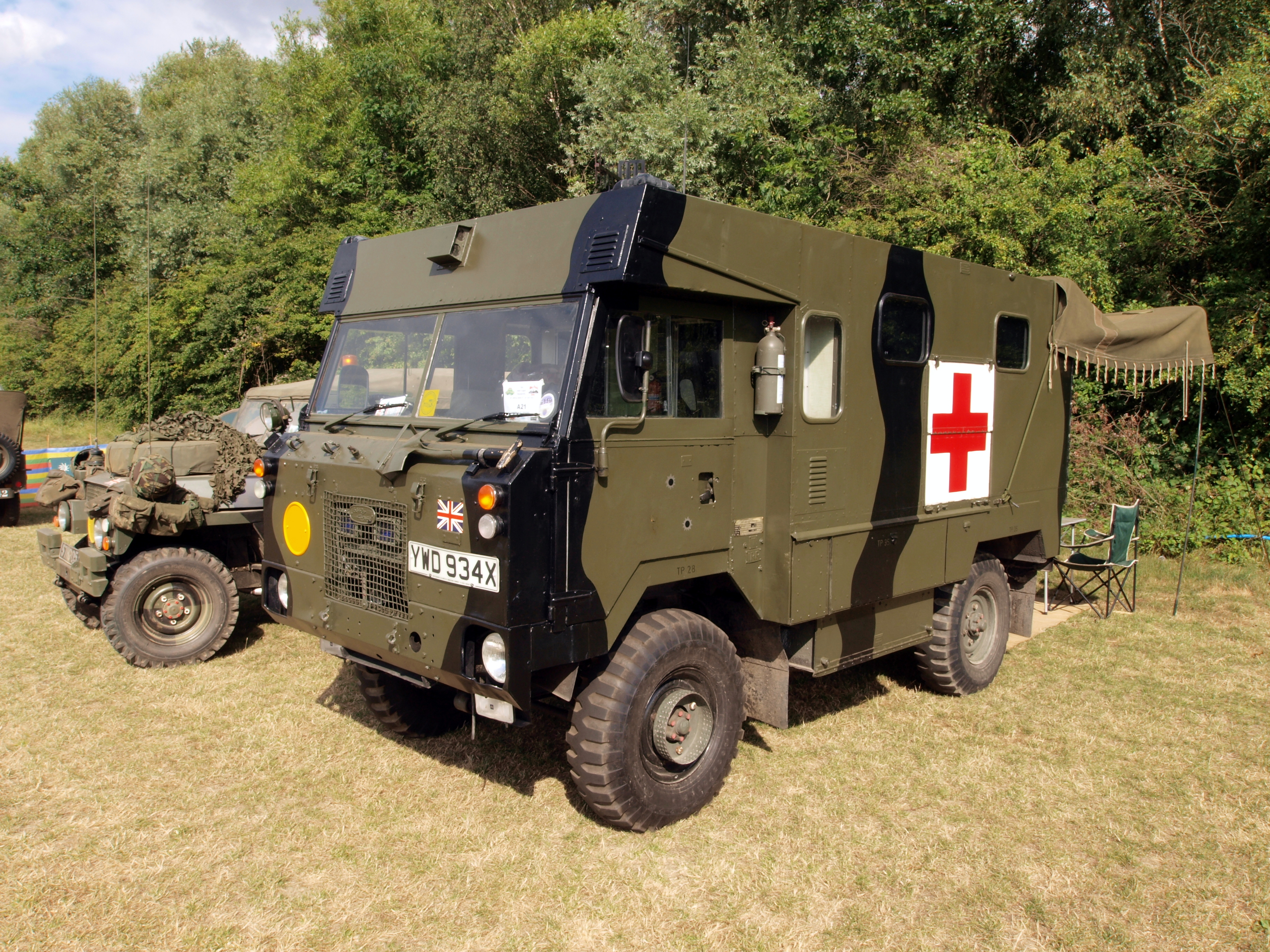 File:Land Rover 101 Forward Control Ambulance pic17.JPG - Wikimedia