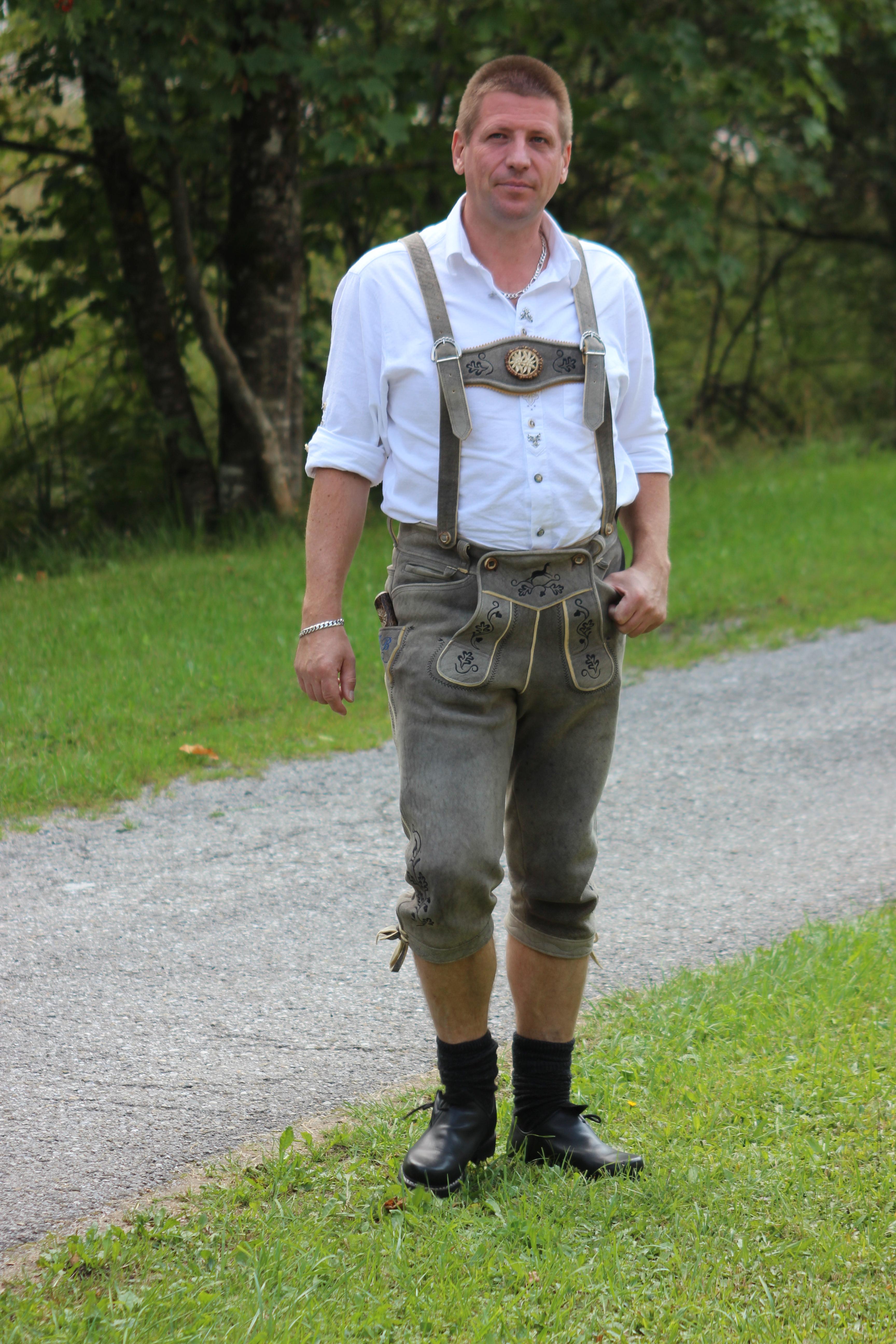 dateilederhose und trachtenhemdjpg � wikipedia